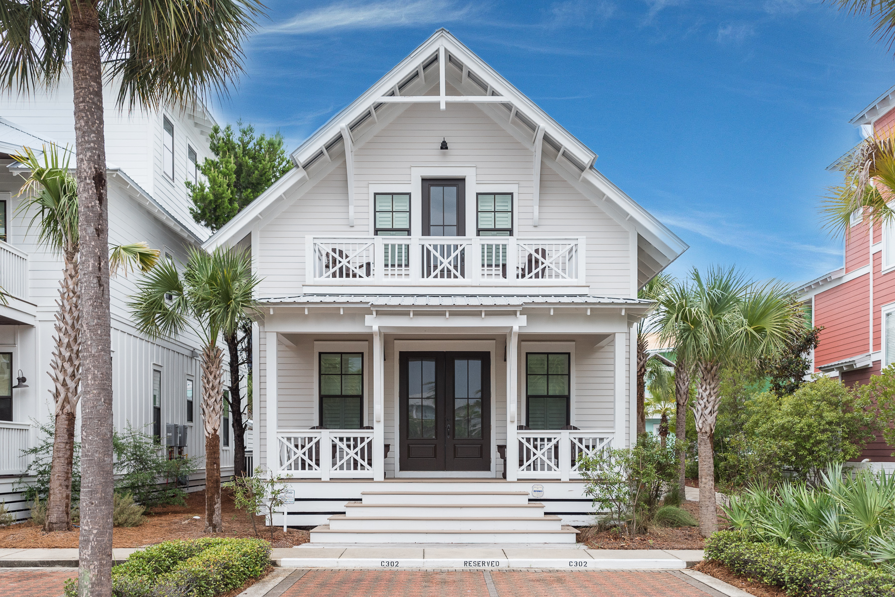 Casa para uma família para Venda às THOUGHTFULLY DESIGNED AND BEAUTIFULLY FURNISHED BEACH HOME 46 Seacrest Beach Boulevard E Inlet Beach, Florida, 32461 Estados Unidos