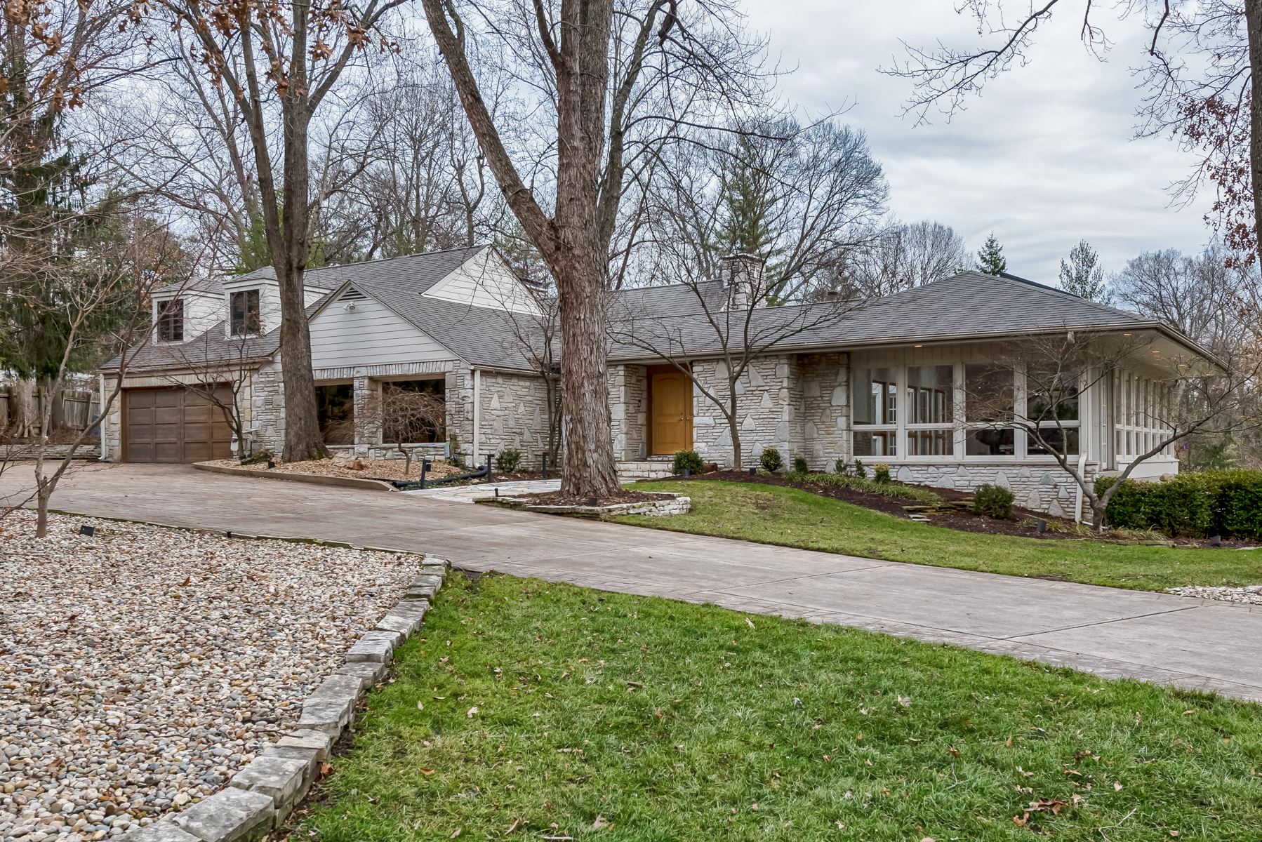 Single Family Home for Sale at Dielman Road 110 Dielman Road Ladue, Missouri 63124 United States