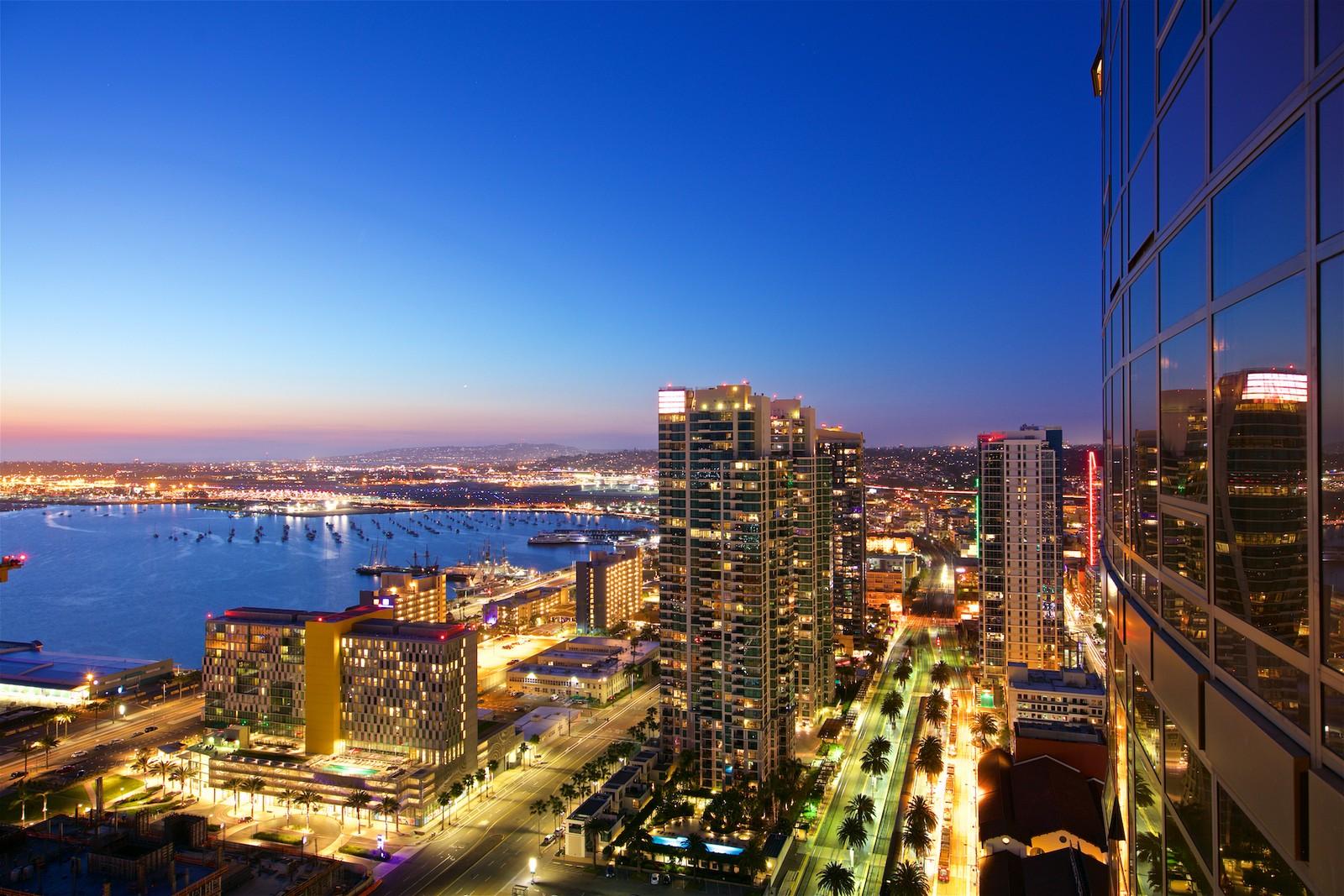 Condominium for Sale at 700 W E Street, 3401 San Diego, California, 92101 United States