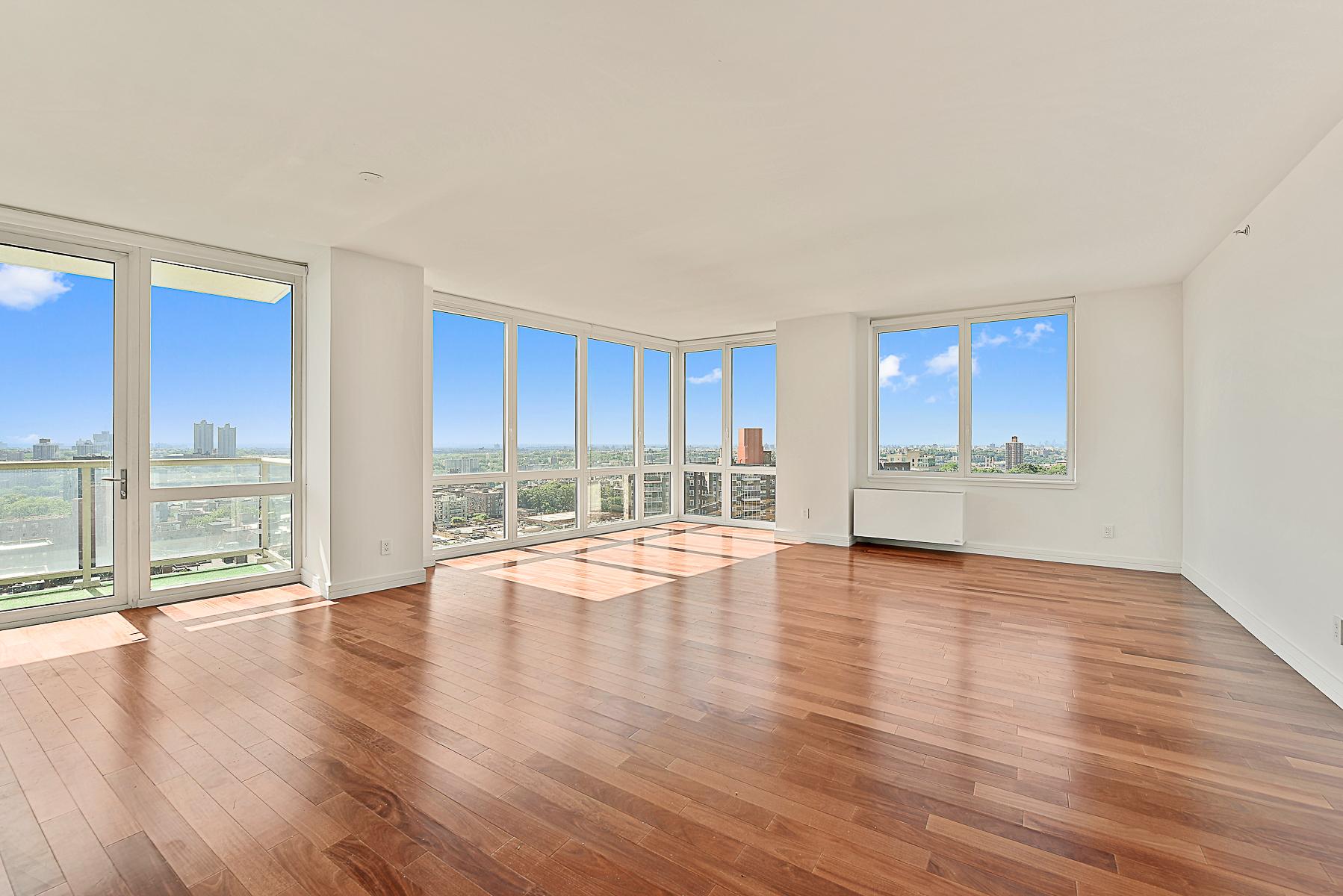 Kat Mülkiyeti için Satış at Luxury New Condo Corner 2 Bedroom with Terrace 640 West 237 Street 16A Riverdale, New York, 10463 Amerika Birleşik Devletleri