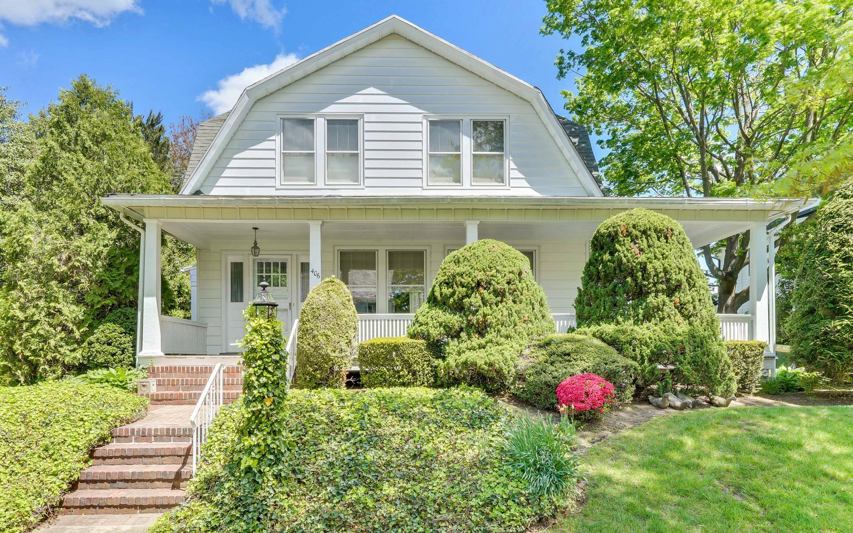 단독 가정 주택 용 매매 에 The Trifecta Of Breezes 406 Essex Avenue Spring Lake, 뉴저지, 07762 미국