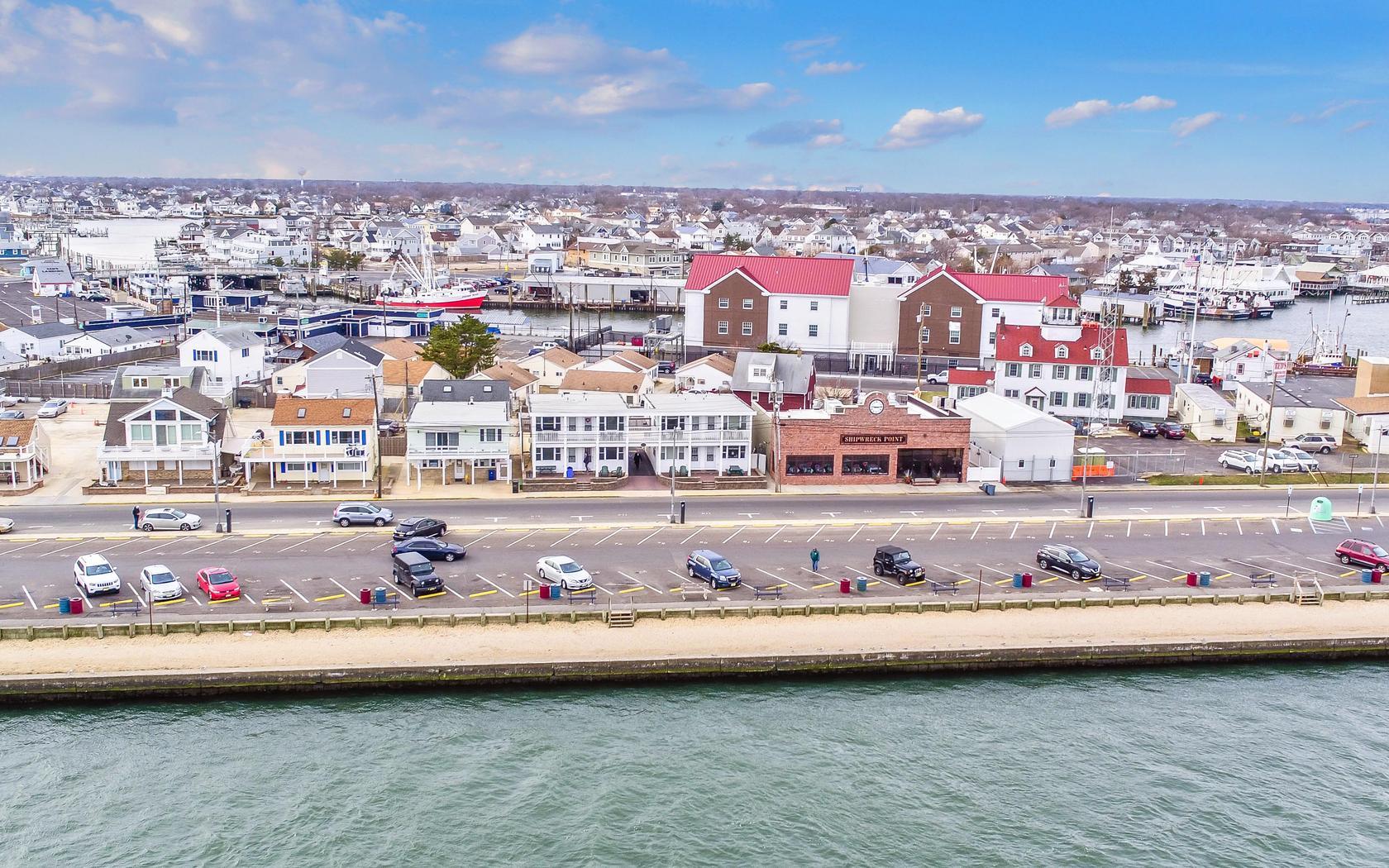 Кондоминиум для того Продажа на Serene Waterfront Condo 16-18 Inlet Dr 7 Point Pleasant Beach, Нью-Джерси 08742 Соединенные Штаты