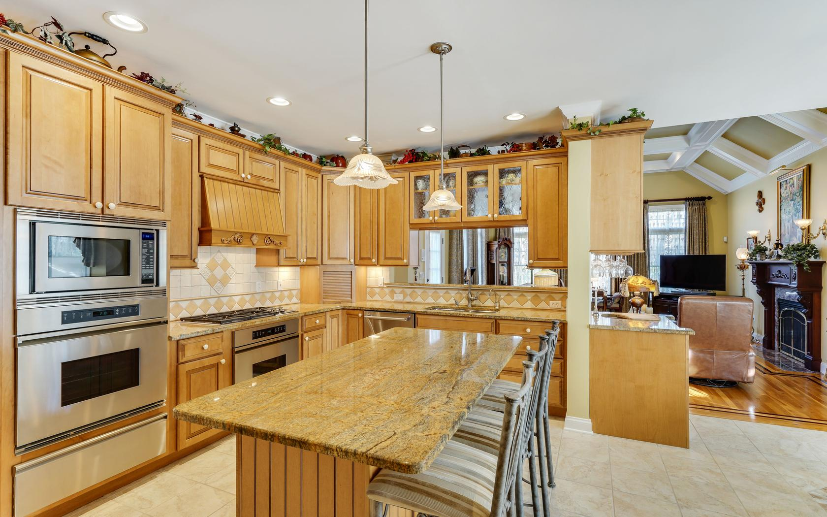 Additional photo for property listing at Custom Built Colonial 4 Captain Bailey Court Brielle, New Jersey 08730 United States