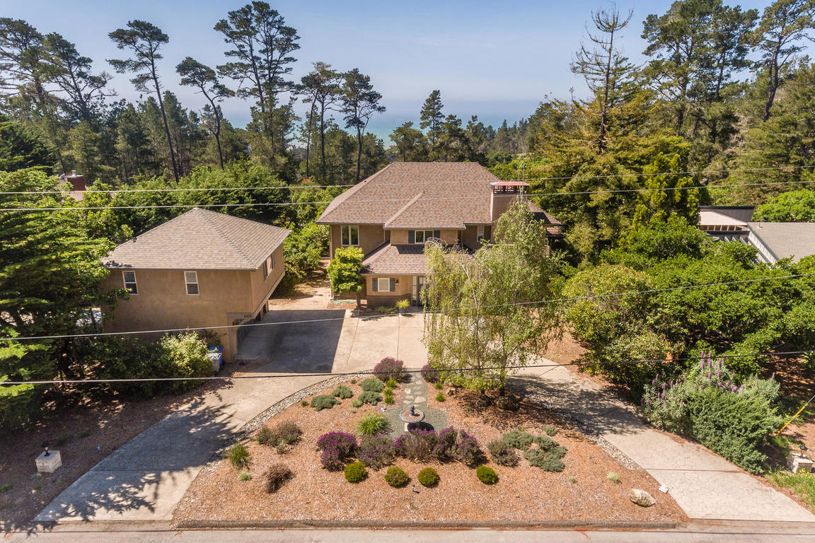 Single Family Home for Sale at Custom Home in the Exclusive Leimert Estate 6610 Buckley Drive Cambria, California, 93428 United States