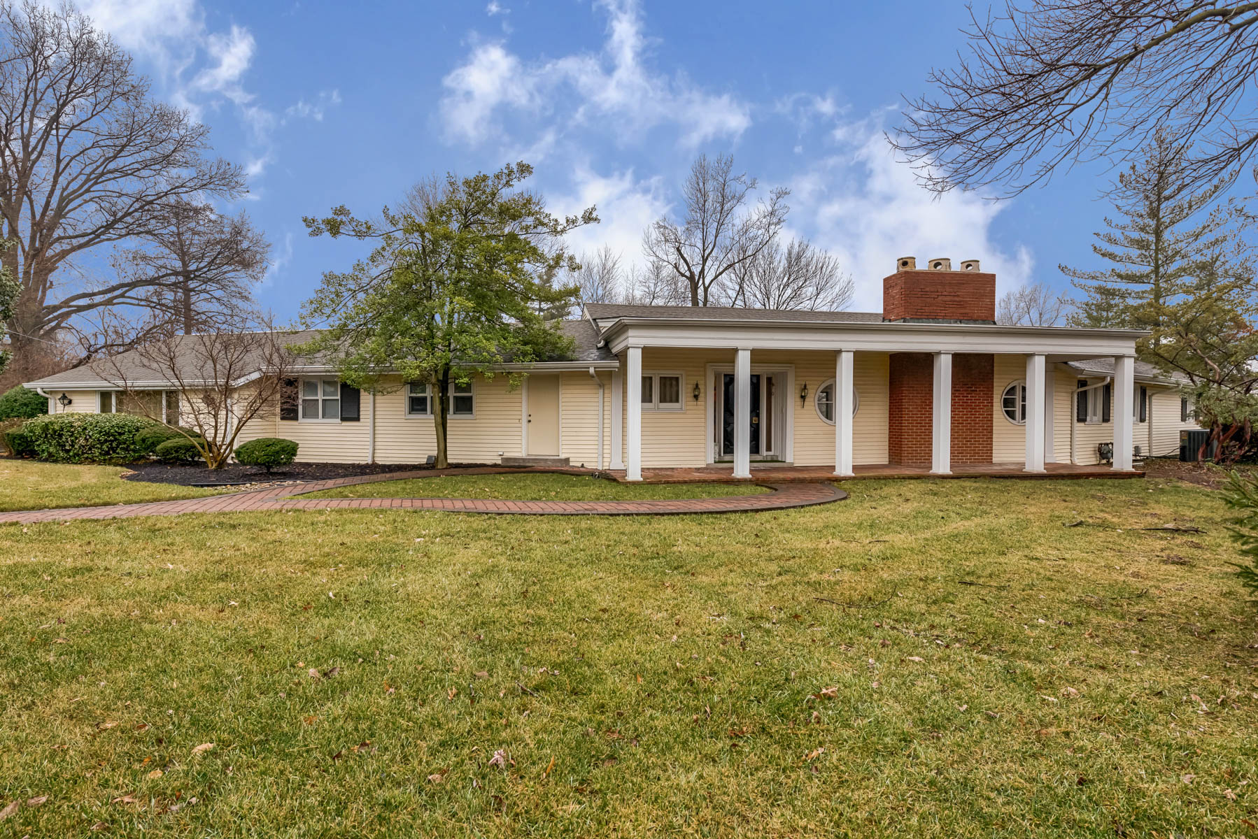 Single Family Home for Sale at Clayton Road 12426 Clayton Road Town And Country, Missouri 63131 United States