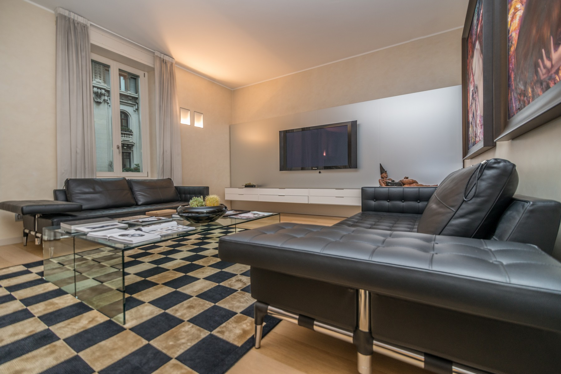 Apartment for Sale at Elegant apartment in historic Palazzo Corso Venezia Milano, Milan, 20121 Italy