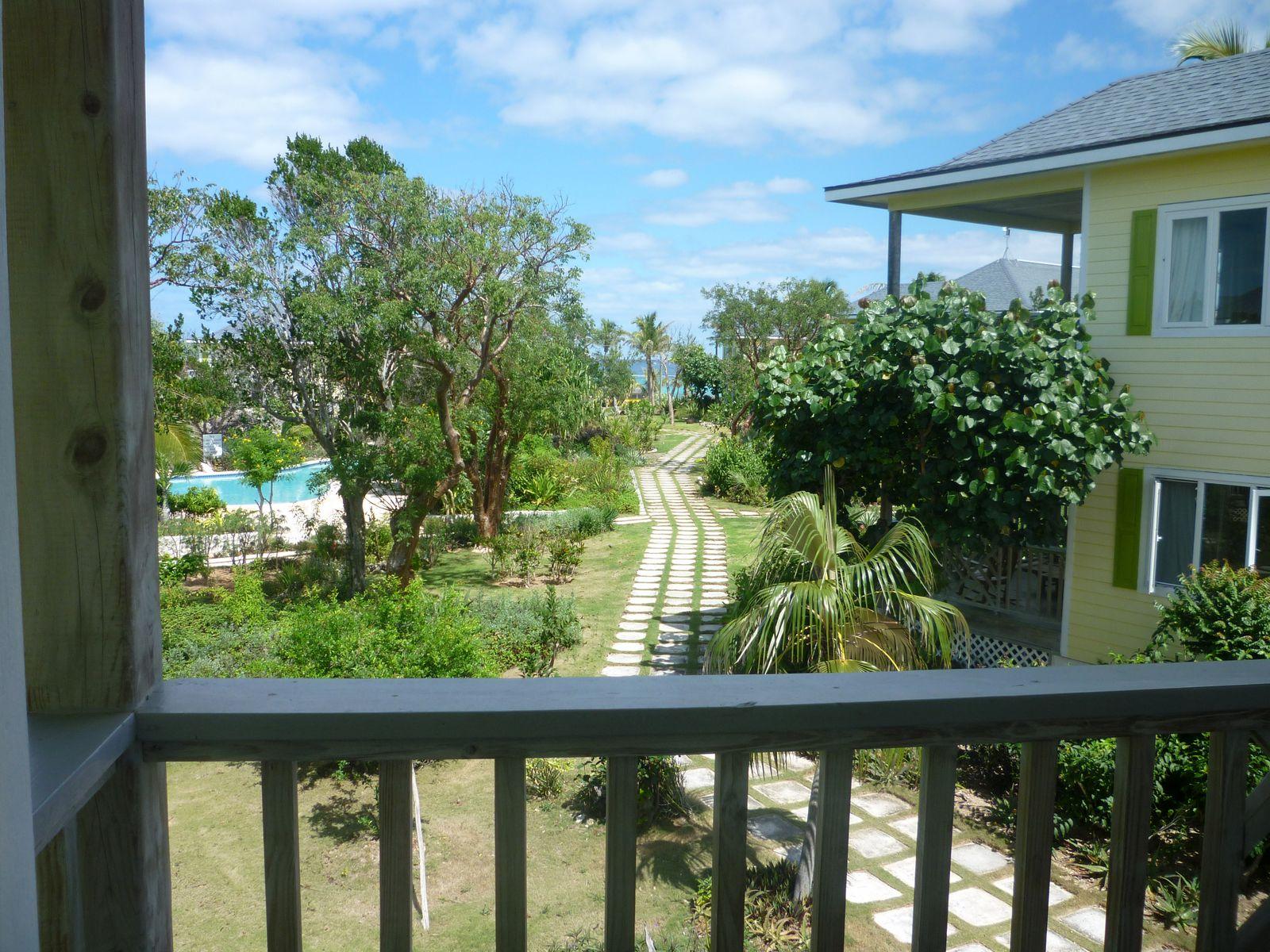 コンドミニアム のために 売買 アット Rare Two Bedroom Unit at Pineapple Fields Governors Harbour, エリューセラ, バハマ