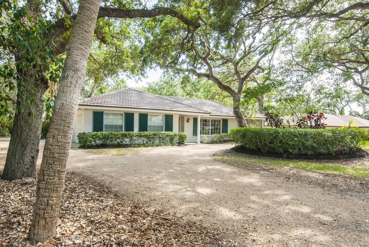 Villa per Vendita alle ore Private Beach Access 1491 Smugglers Cove Vero Beach, Florida, 32963 Stati Uniti