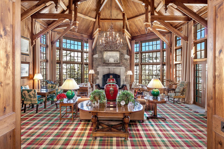Частный односемейный дом для того Продажа на Chateau #11 Ski-in Ski-out Estate 51 Chateau Lane #11 Beaver Creek, Beaver Creek, Колорадо, 81620 Соединенные Штаты