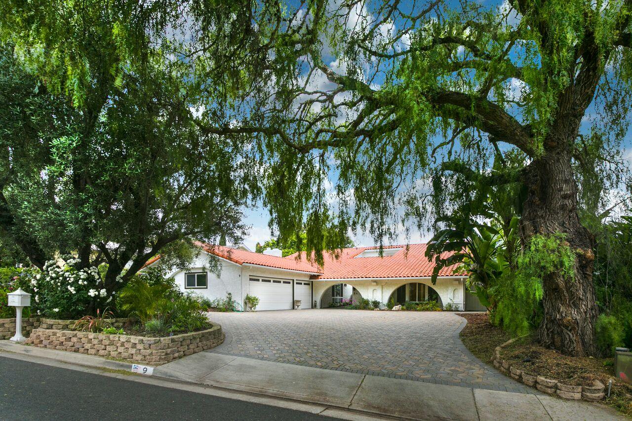Villa per Vendita alle ore 9 Branding Iron Ln, Rolling Hills Estates 90274 9 Branding Iron Lane Rolling Hills Estates, California, 90274 Stati Uniti