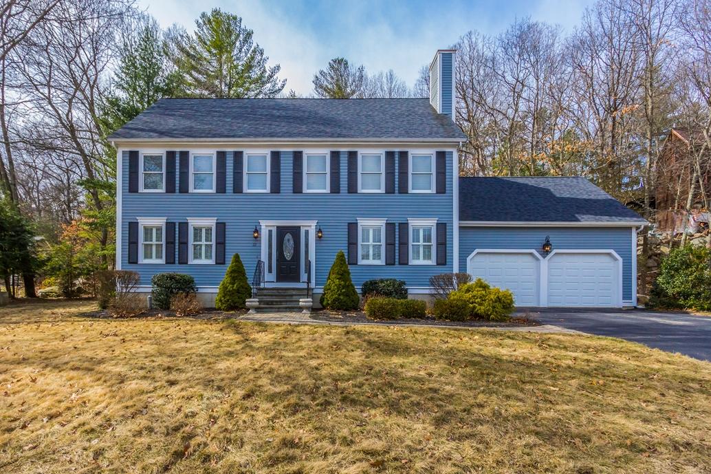 Casa Unifamiliar por un Venta en Wildwood Estates Colonial 22 Grover Road Ashland, Massachusetts, 01721 Estados Unidos