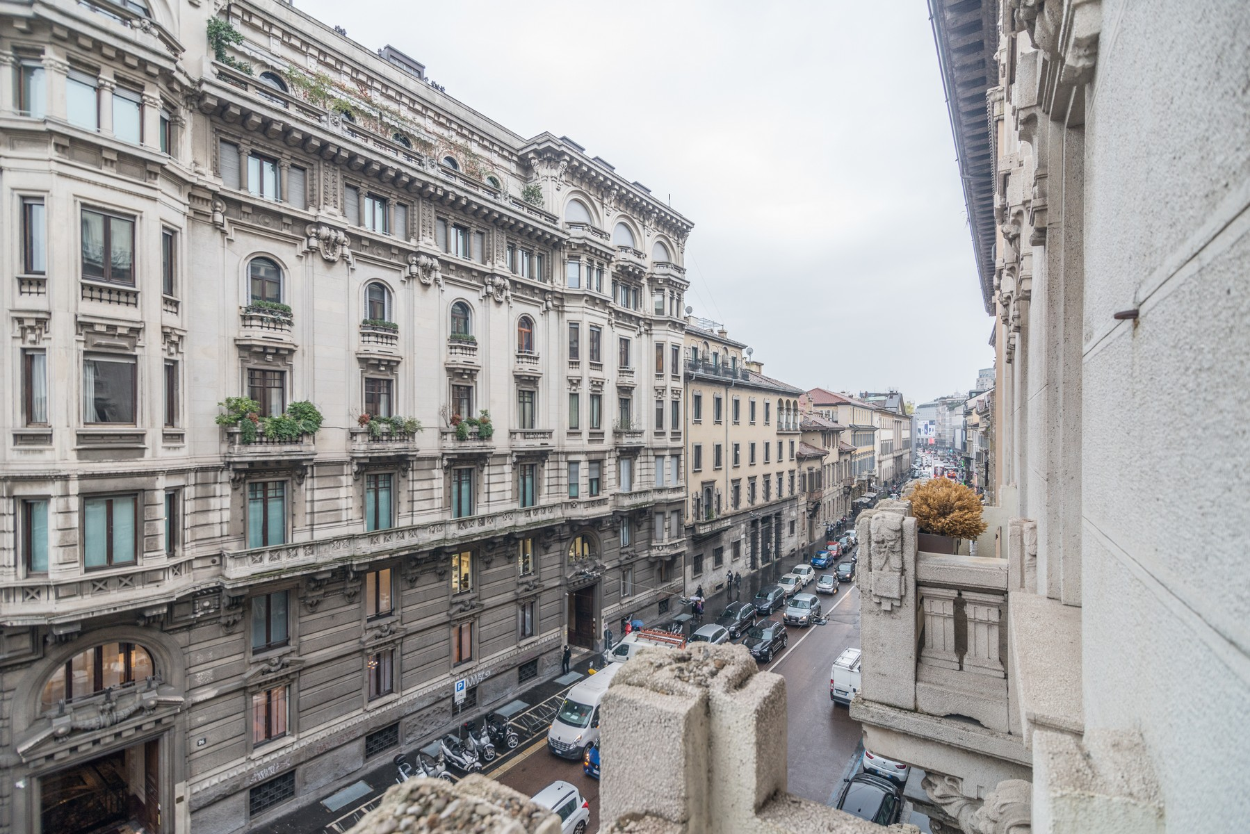 Additional photo for property listing at Elegant apartment in historic Palazzo Corso Venezia Milano, Milan 20121 Italia