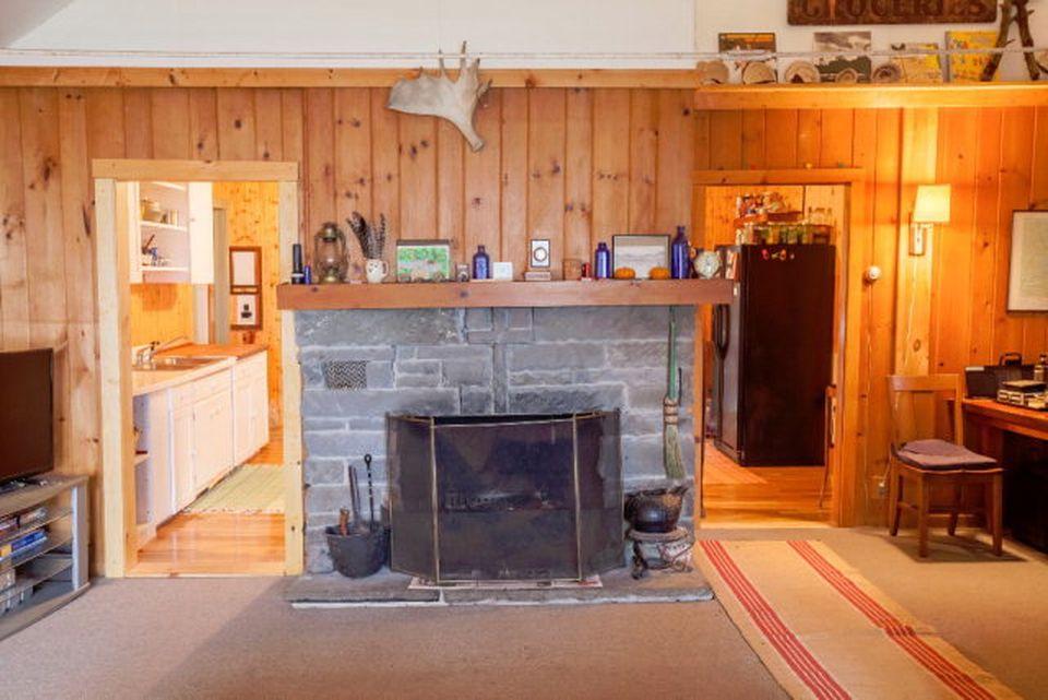 Additional photo for property listing at Big Moose  3 Bedroom Waterfront Cottage 142 Glenmore Road Big Moose, Nueva York 13331 Estados Unidos