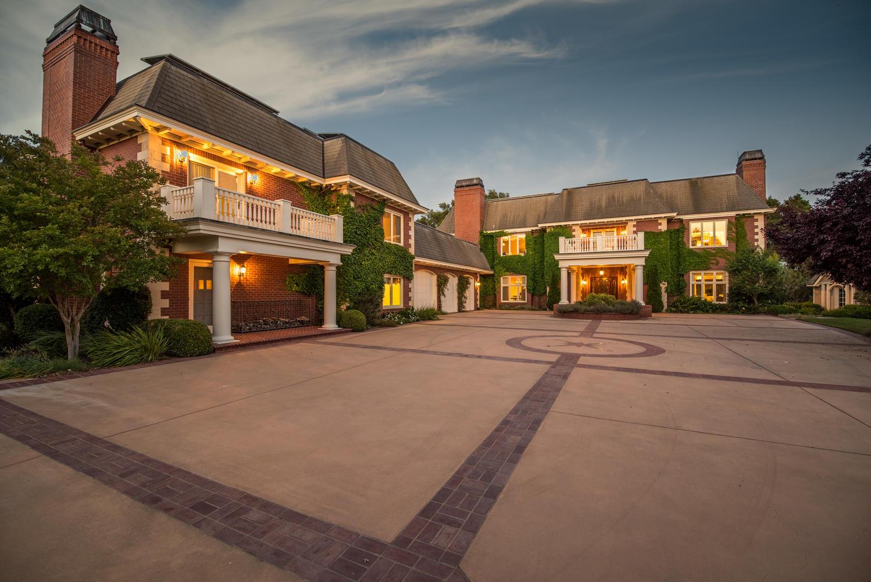 Casa para uma família para Venda às Deerfield Estate 1351 Deerfield Road Templeton, Califórnia, 93465 Estados Unidos