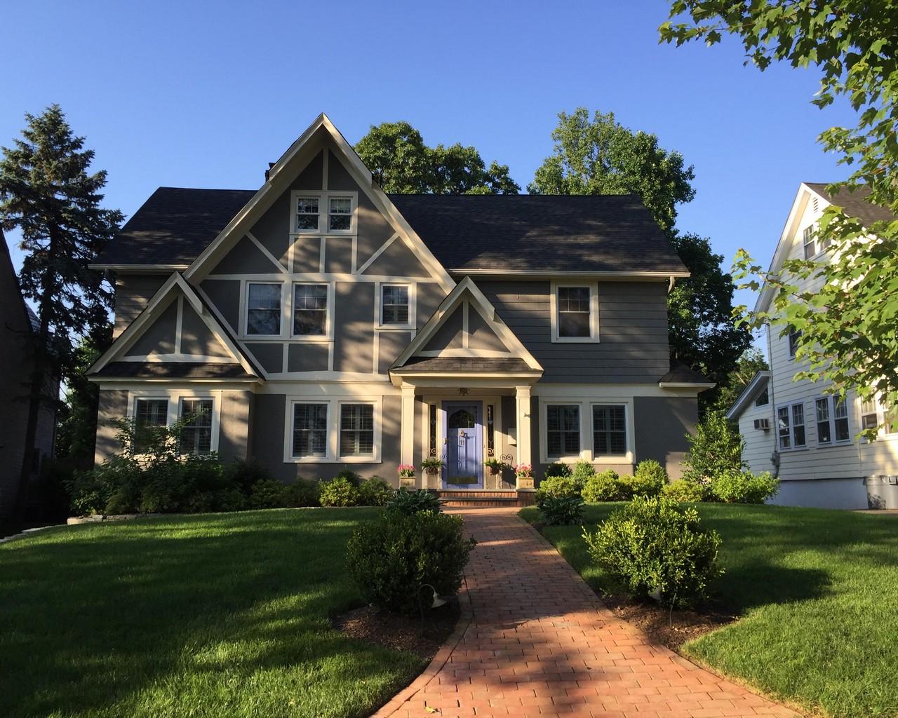 Частный односемейный дом для того Продажа на Stylish and Chic 11 Ferncliff Terrace Glen Ridge, Нью-Джерси 07028 Соединенные Штаты