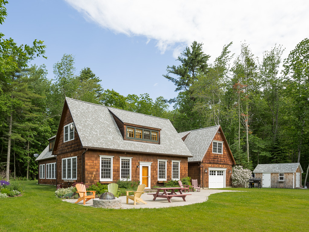 Maison unifamiliale pour l Vente à 6 Country Way Camden, Maine, 04843 États-Unis