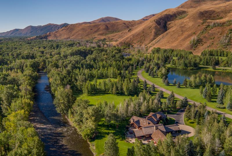 Tek Ailelik Ev için Satış at On The River In Golden Eagle 180 S Golden Eagle Dr Mid Valley, Ketchum, Idaho, 83340 Amerika Birleşik Devletleri