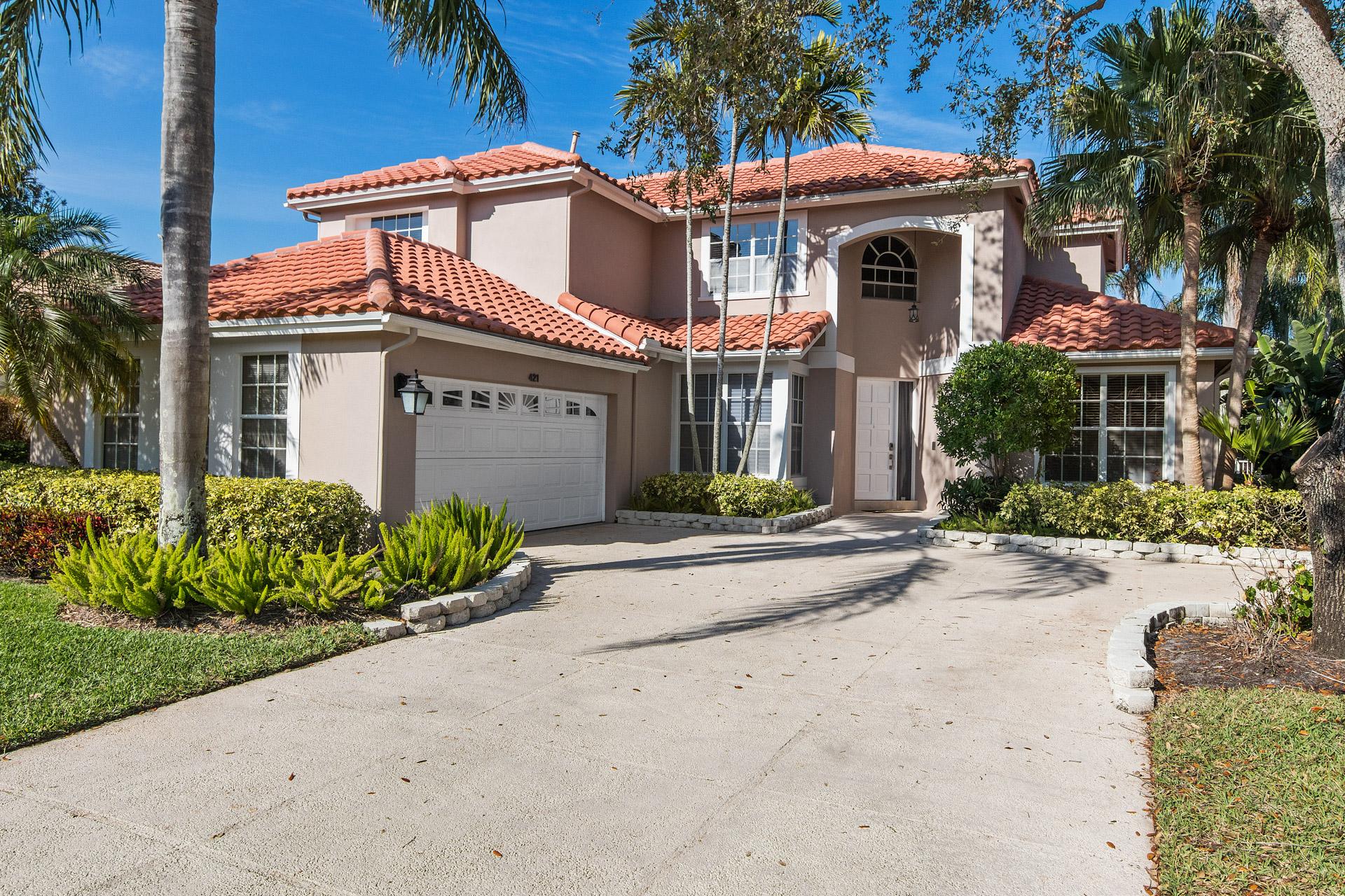 独户住宅 为 销售 在 421 Eagleton Cove Way 棕榈滩花园, 佛罗里达州, 33418 美国