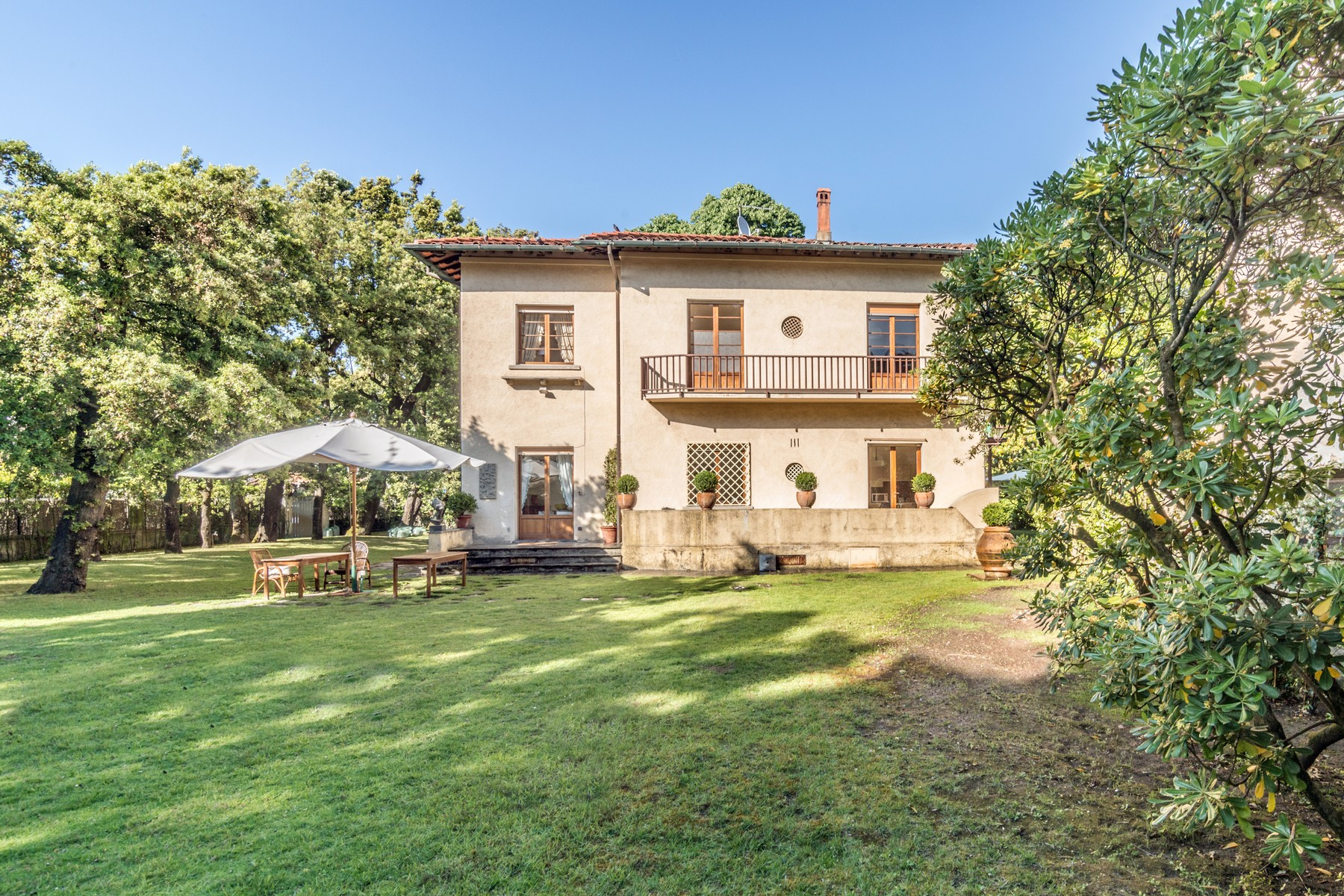 Single Family Home for Sale at Unique villa with garden and dependance Forte Dei Marmi, Lucca Italy