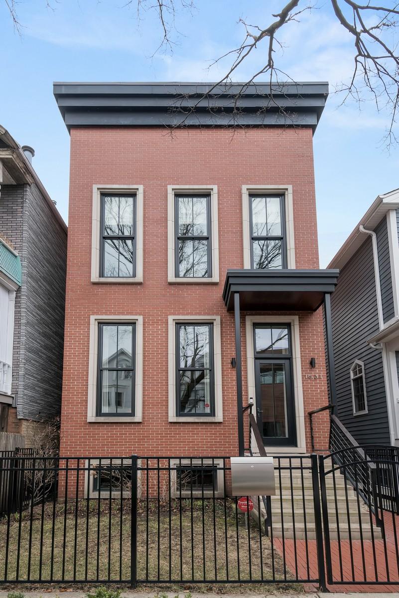 獨棟家庭住宅 為 出售 在 Beautifully Unique Architect-Built Home 1531 W Wellington Avenue Chicago, 伊利諾斯州, 60657 美國