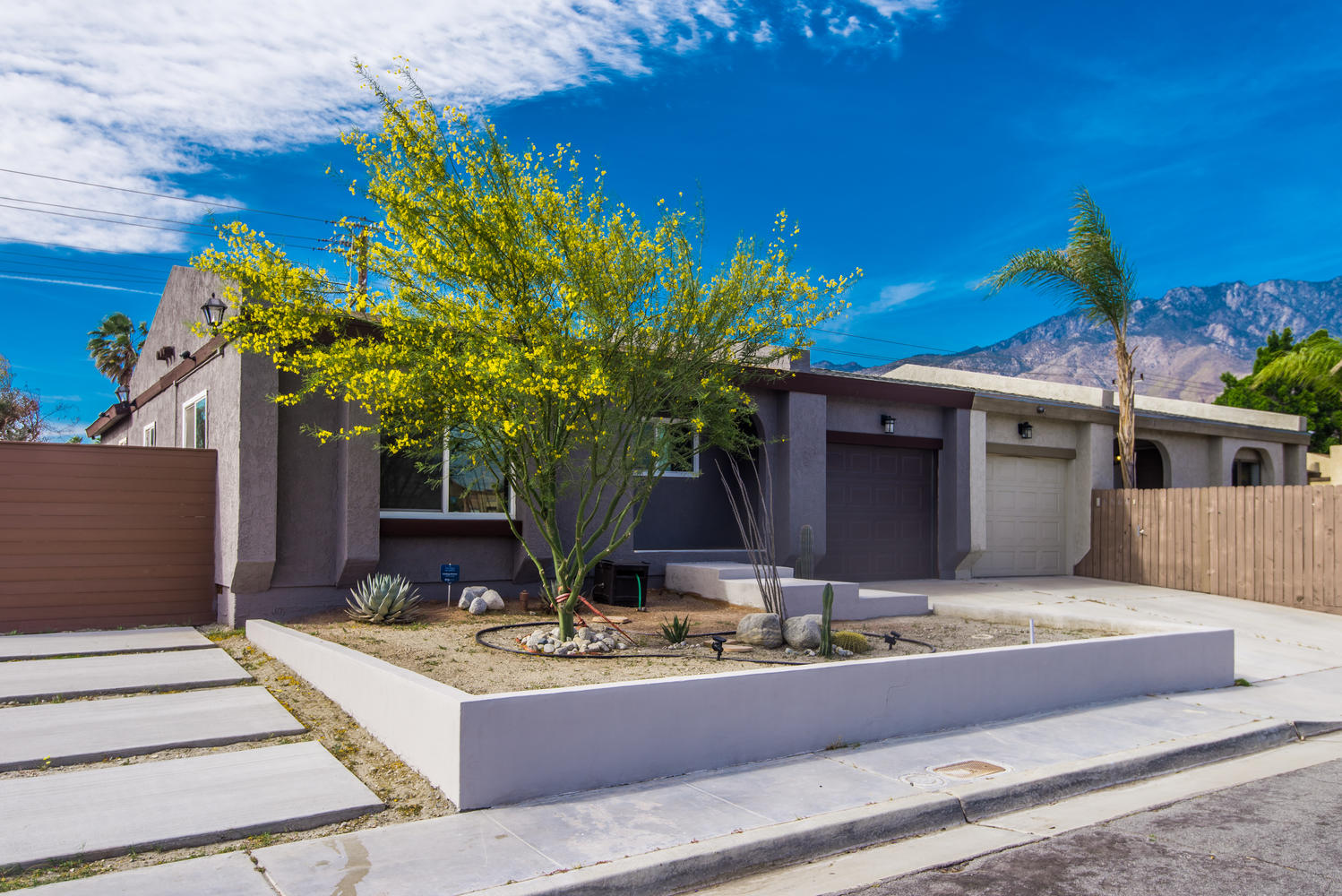 Single Family Home for Sale at 1581 E Twin Star Palm Springs, California, 92262 United States
