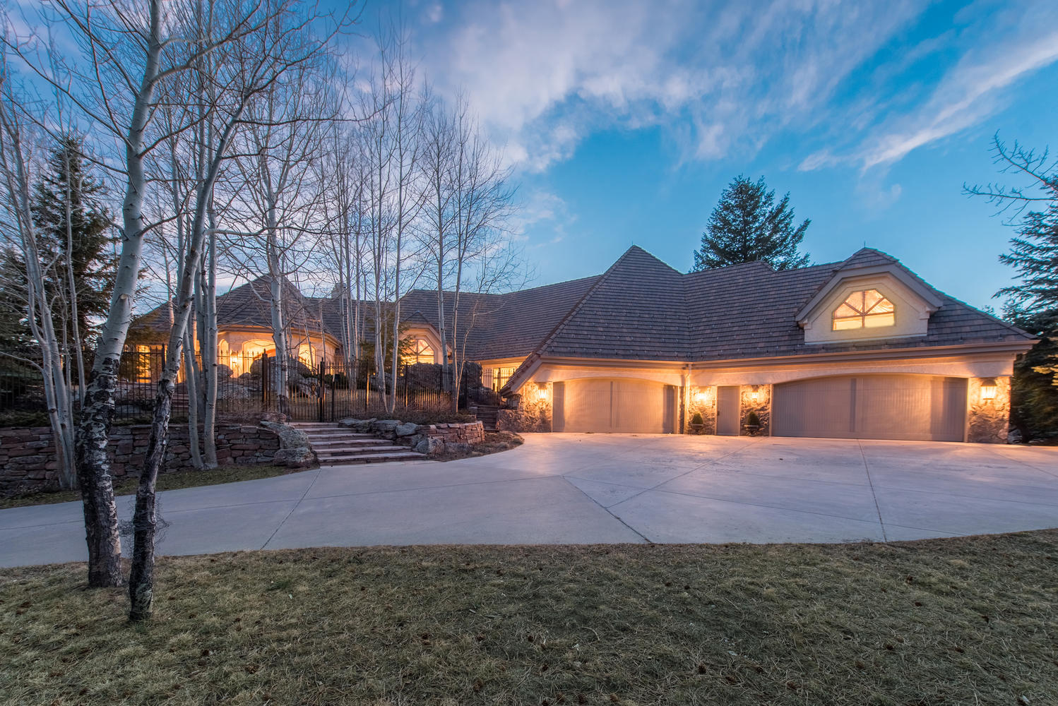 Maison unifamiliale pour l Vente à Majestic Masterpiece designed by renowned Sears Barrett Architects 31135 Skokie Lane Evergreen, Colorado, 80439 États-Unis