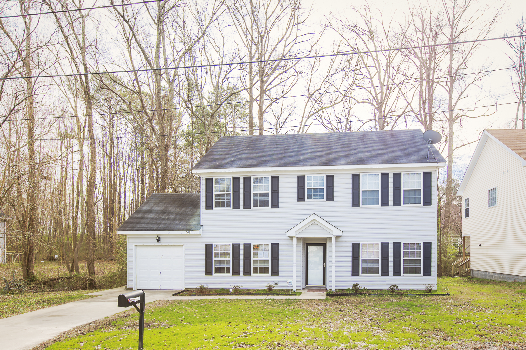 Single Family Home for Sale at Western Branch 5021 John St Chesapeake, Virginia 23321 United States