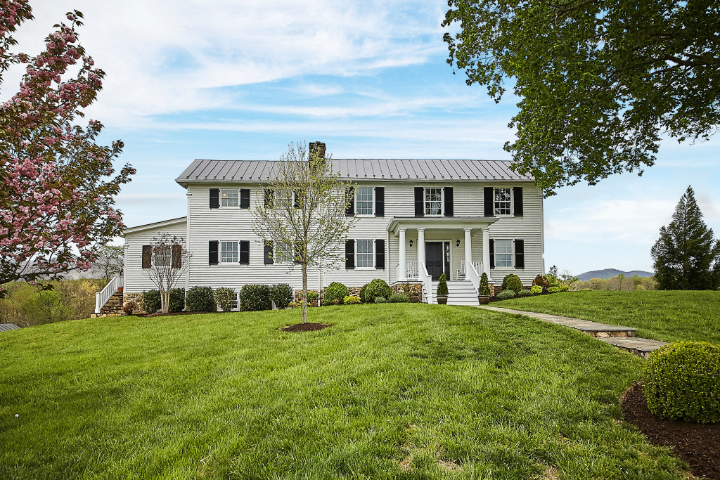 Villa per Vendita alle ore The Vista 5396 Washwright Road Hume, Virginia 22639 Stati Uniti