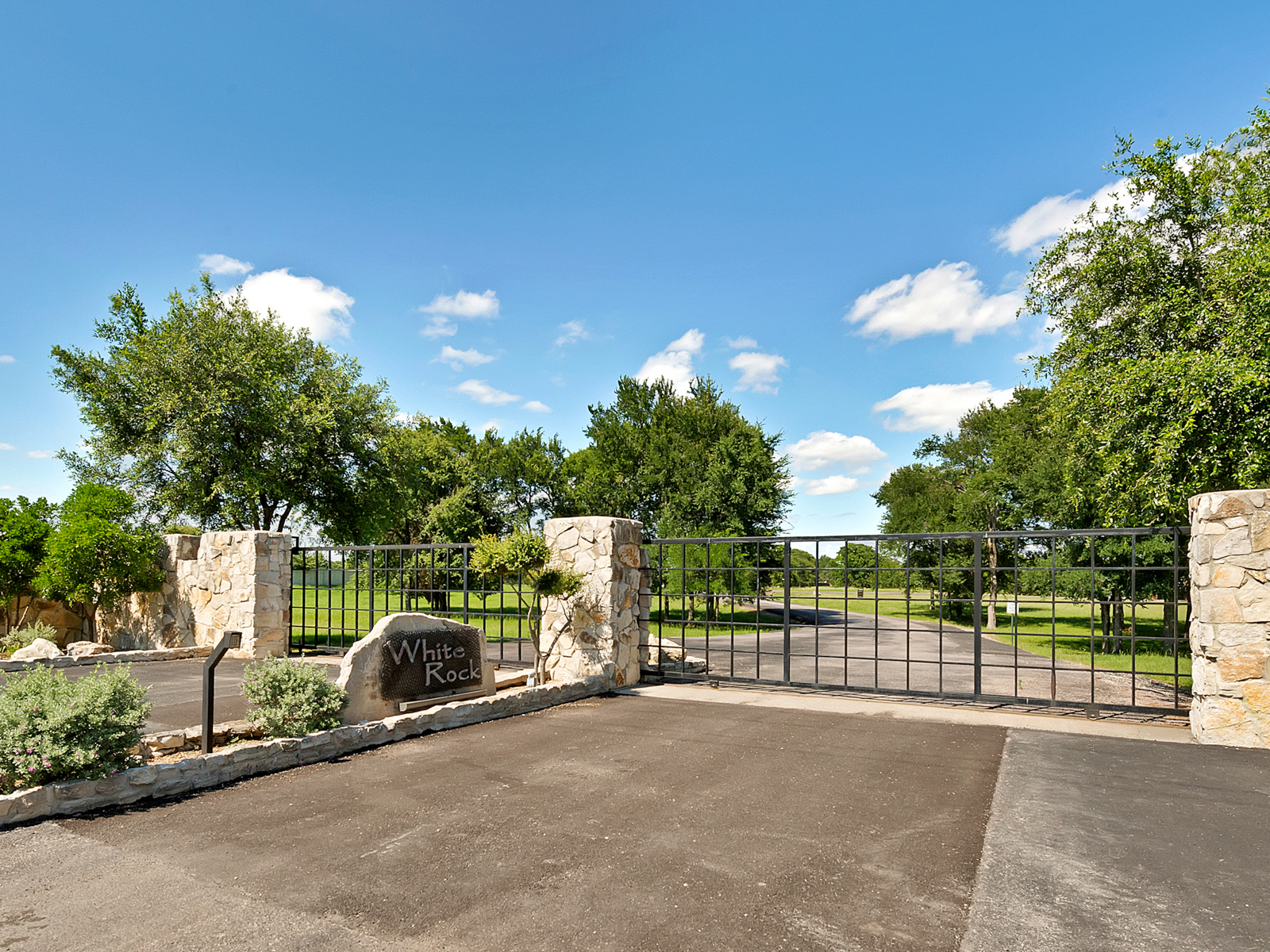 Land for Sale at Premier White Rock Lot Lot 31 White Rock Road Corsicana, Texas 75109 United States