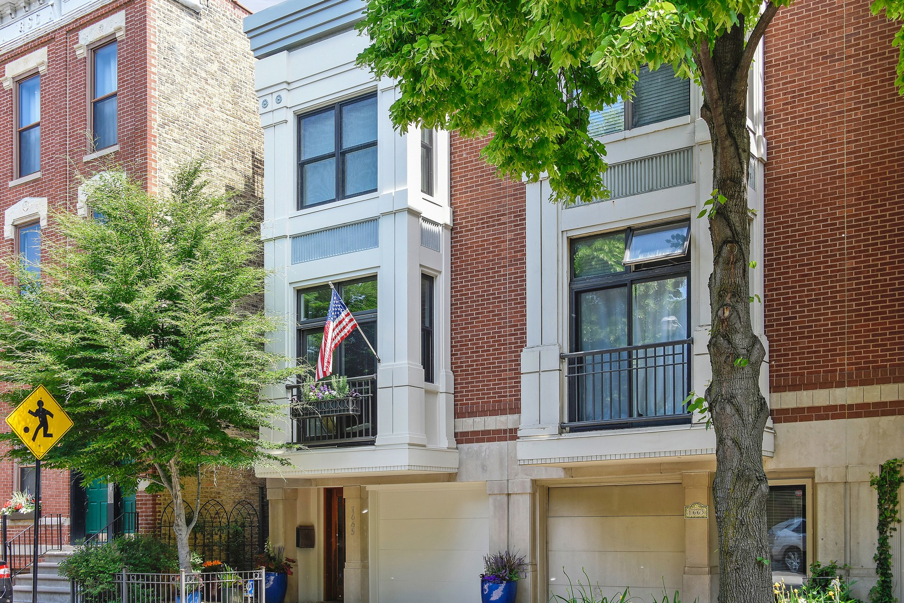 Maison en rangée pour l Vente à Exquisite and Exceptional Smart Home 1665 N Bissell Street Lincoln Park, Chicago, Illinois, 60614 États-Unis