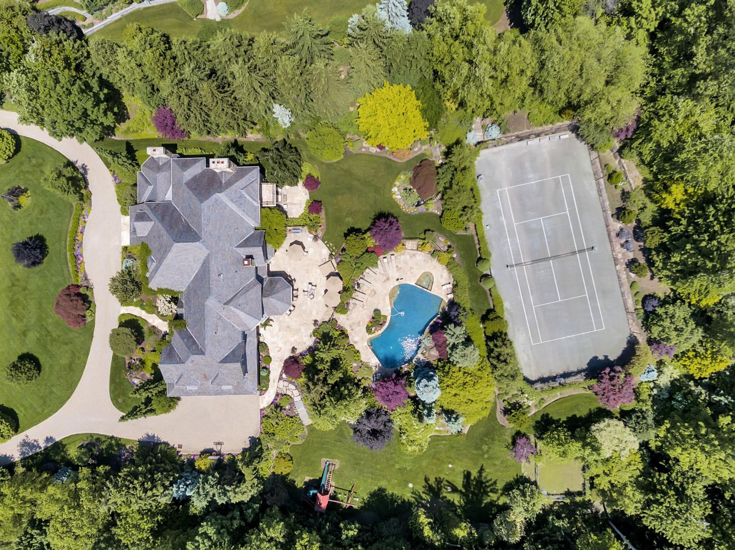 Casa Unifamiliar por un Venta en Sensation Stone Manor 10 Buckingham Drive, Alpine, Nueva Jersey 07620 Estados Unidos