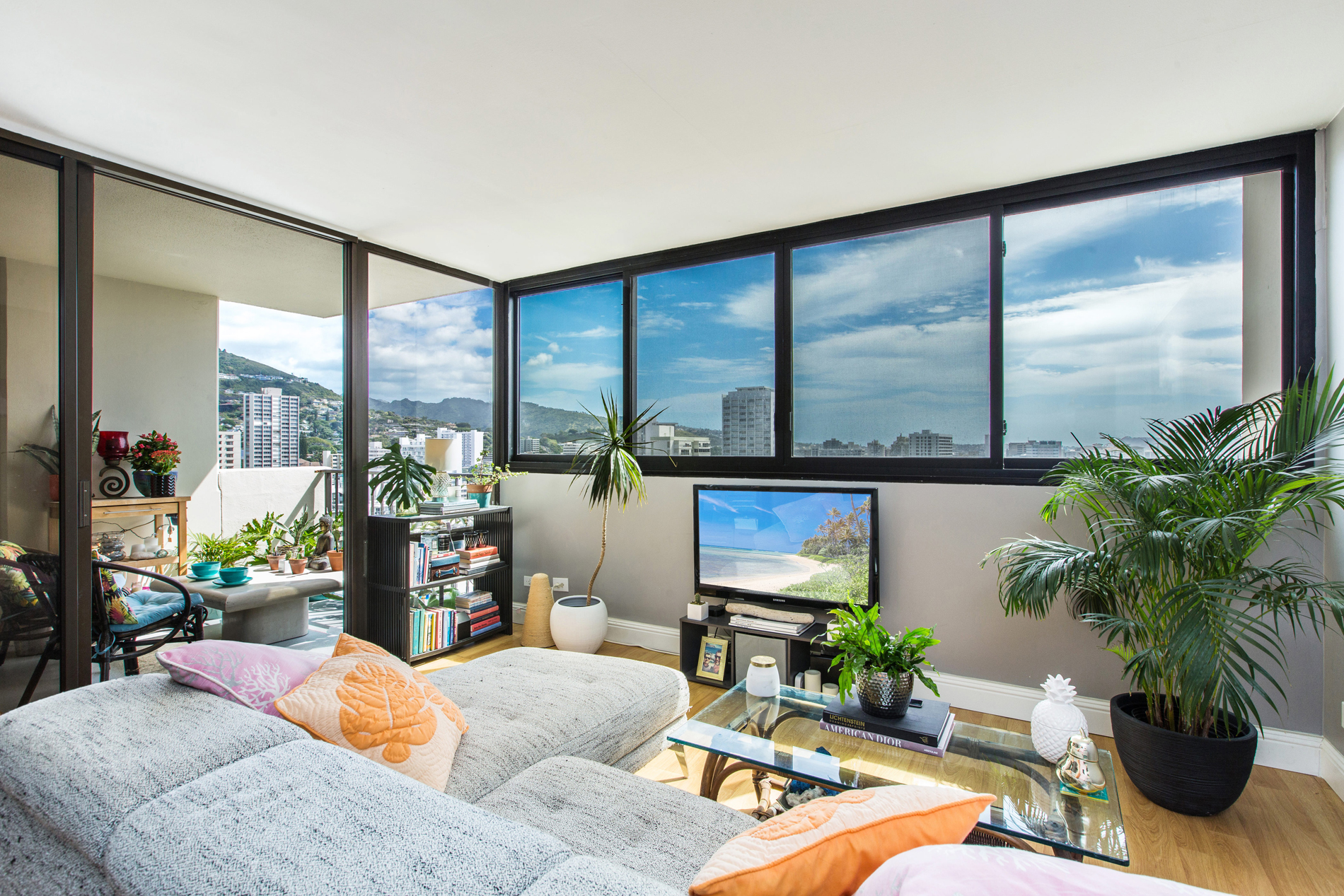 sales property at Upgraded Modern Unit