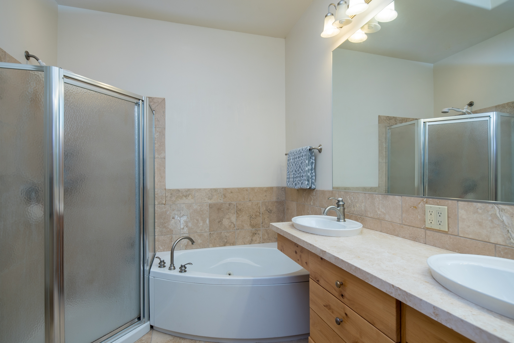 Additional photo for property listing at Welcoming Warm Springs Townhouse 101 Four Seasons Way #1 凯彻姆, 爱达荷州 83340 美国