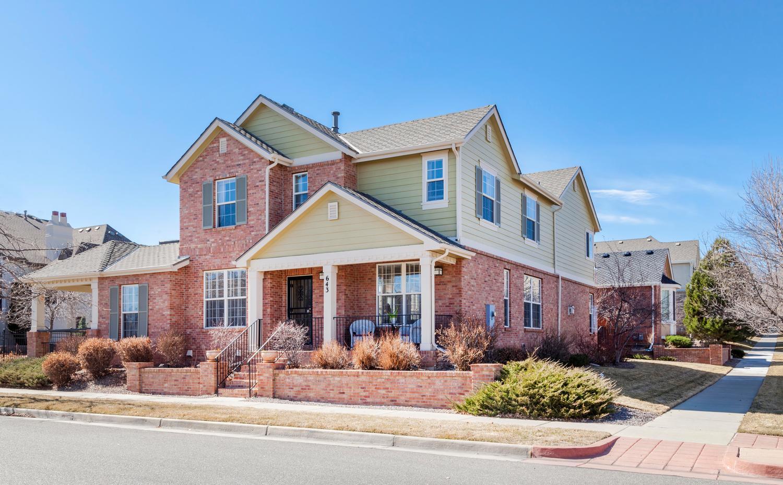 Maison unifamiliale pour l Vente à Complete refresh in Lowry! 643 Syracuse Street Denver, Colorado, 80230 États-Unis