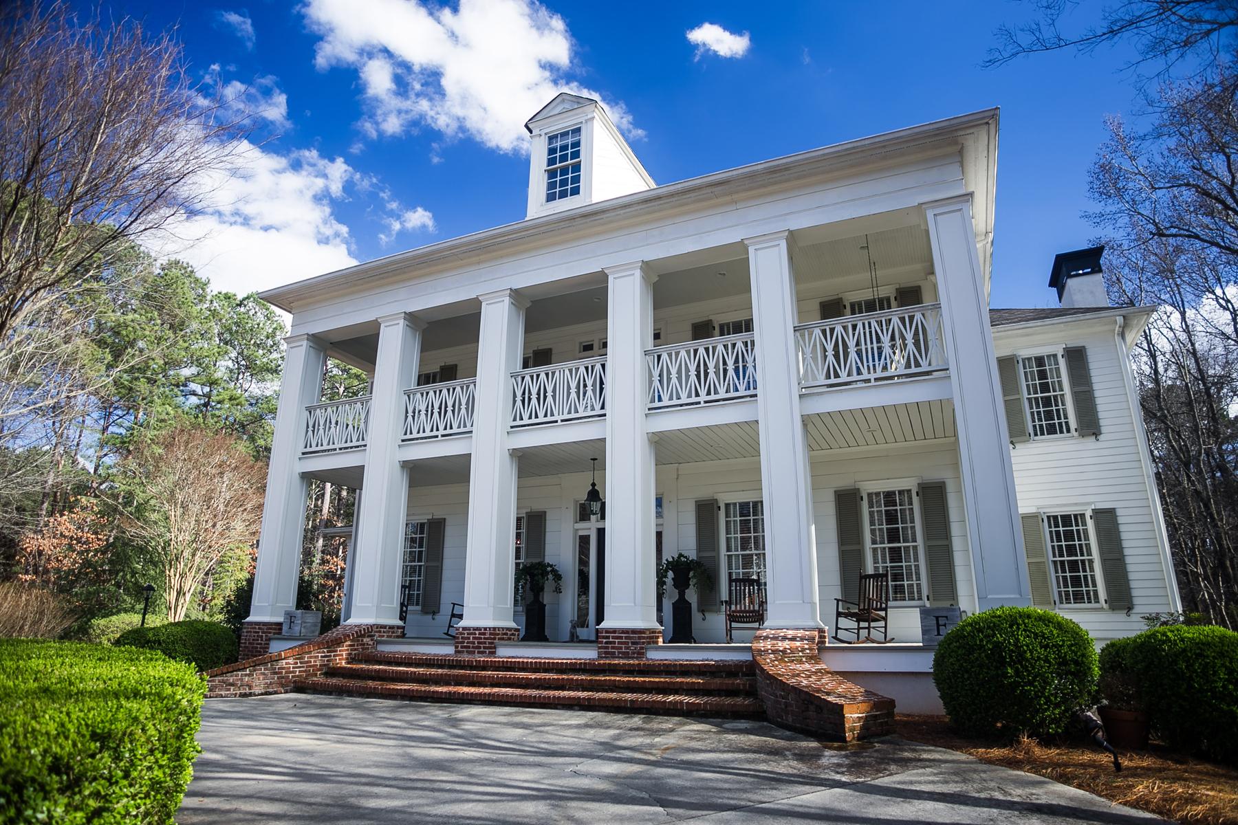 Nhà ở một gia đình vì Bán tại Iconic Highgrove Home On 4.3 Acre Estate Lot With Swimming Pool 235 Old Ivy Fayetteville, Georgia, 30215 Hoa Kỳ