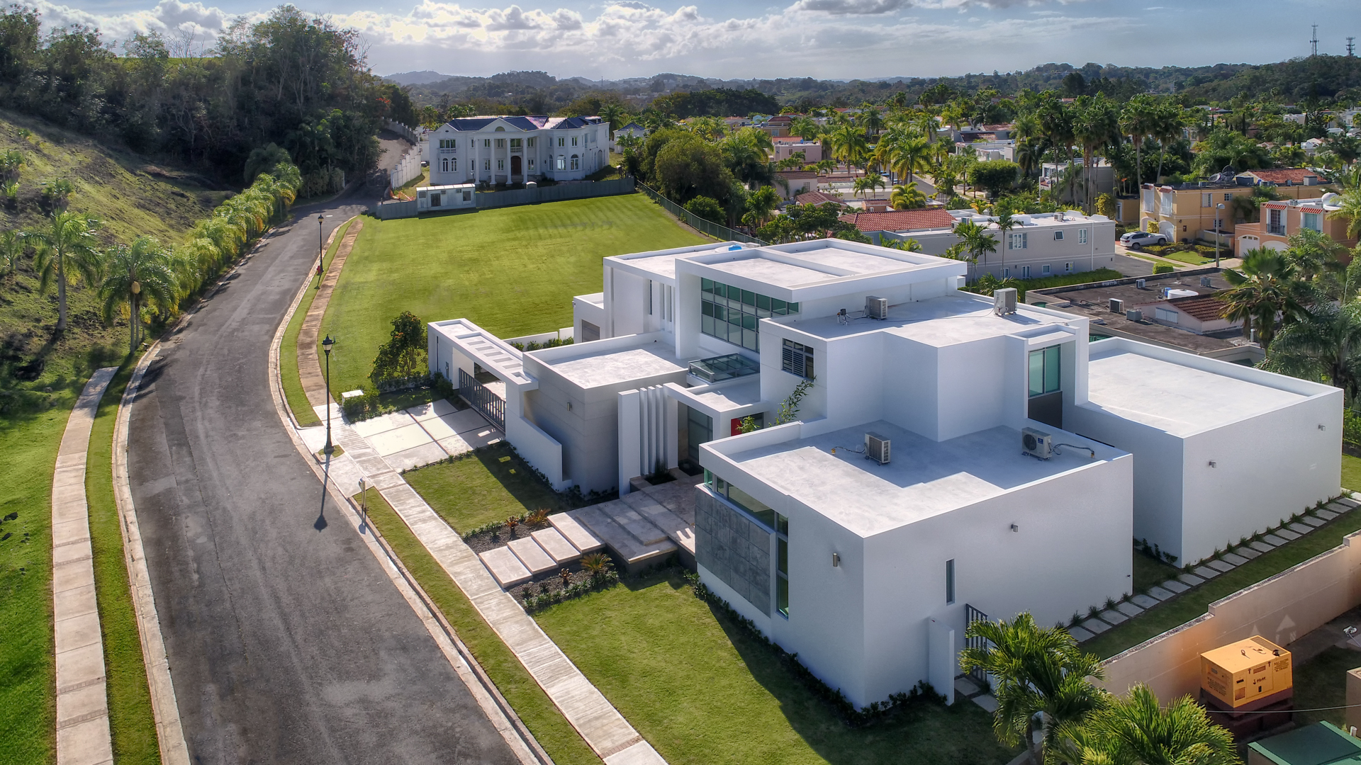 Additional photo for property listing at For Rent Stunning Architectural Estate 168 Calle Tortolla Montehiedra San Juan, Puerto Rico 00926 波多黎各