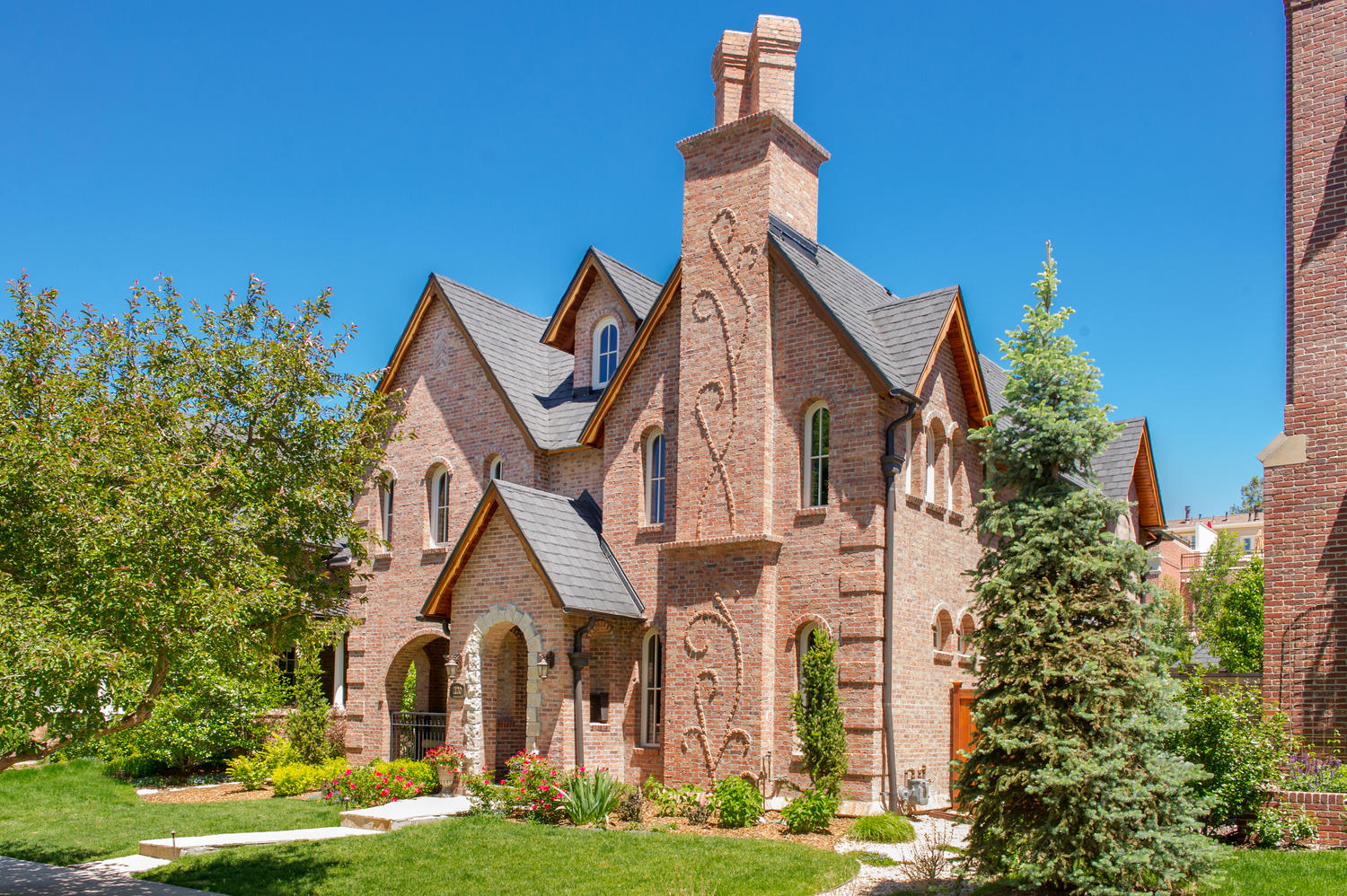 Villa per Vendita alle ore Custom-built Storybook English Tudor 1120 South High Street Washington Park, Denver, Colorado, 80210 Stati Uniti