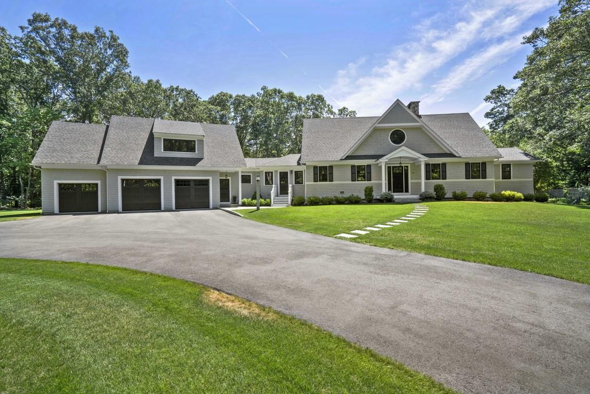 Частный односемейный дом для того Продажа на Cape 140 Depot Street Duxbury, Массачусетс, 02332 Соединенные Штаты