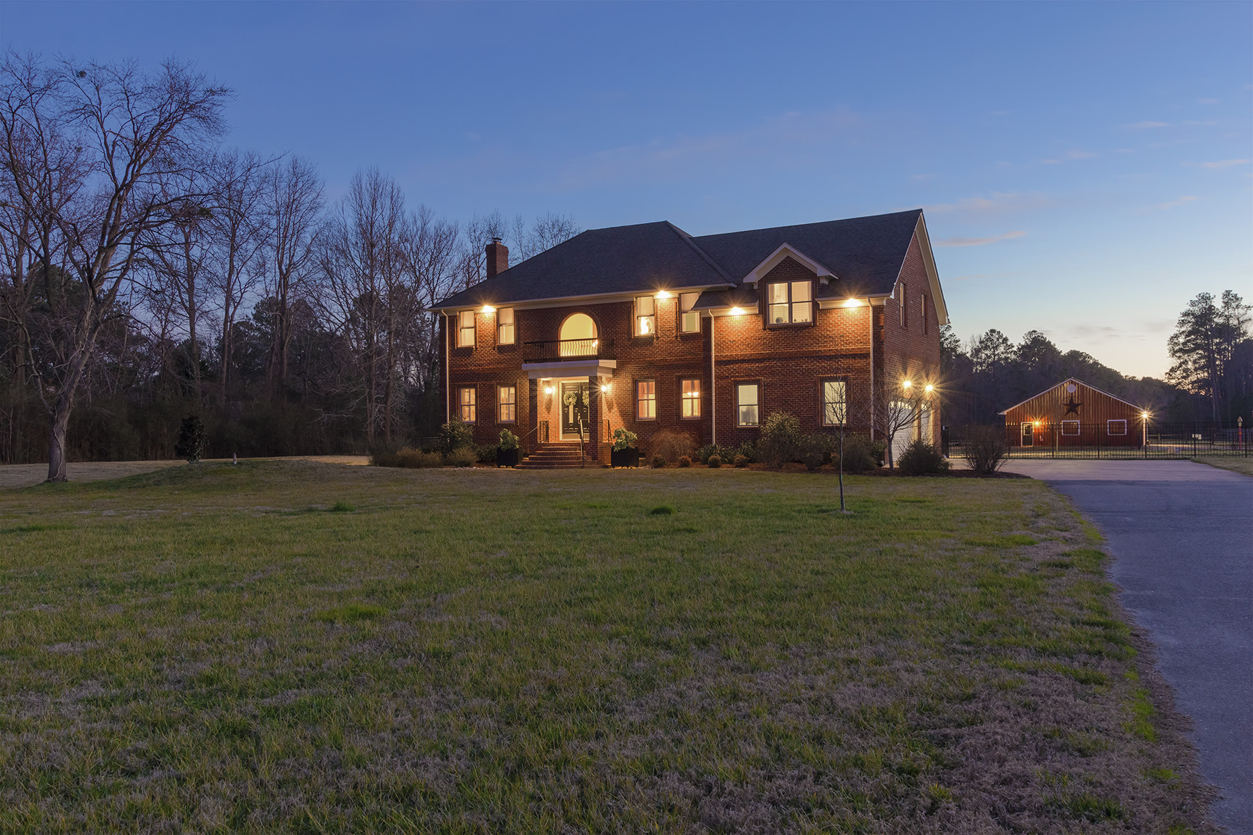 Single Family Home for Sale at Blackwater 628 Blackwater Rd. Chesapeake, Virginia 23322 United States