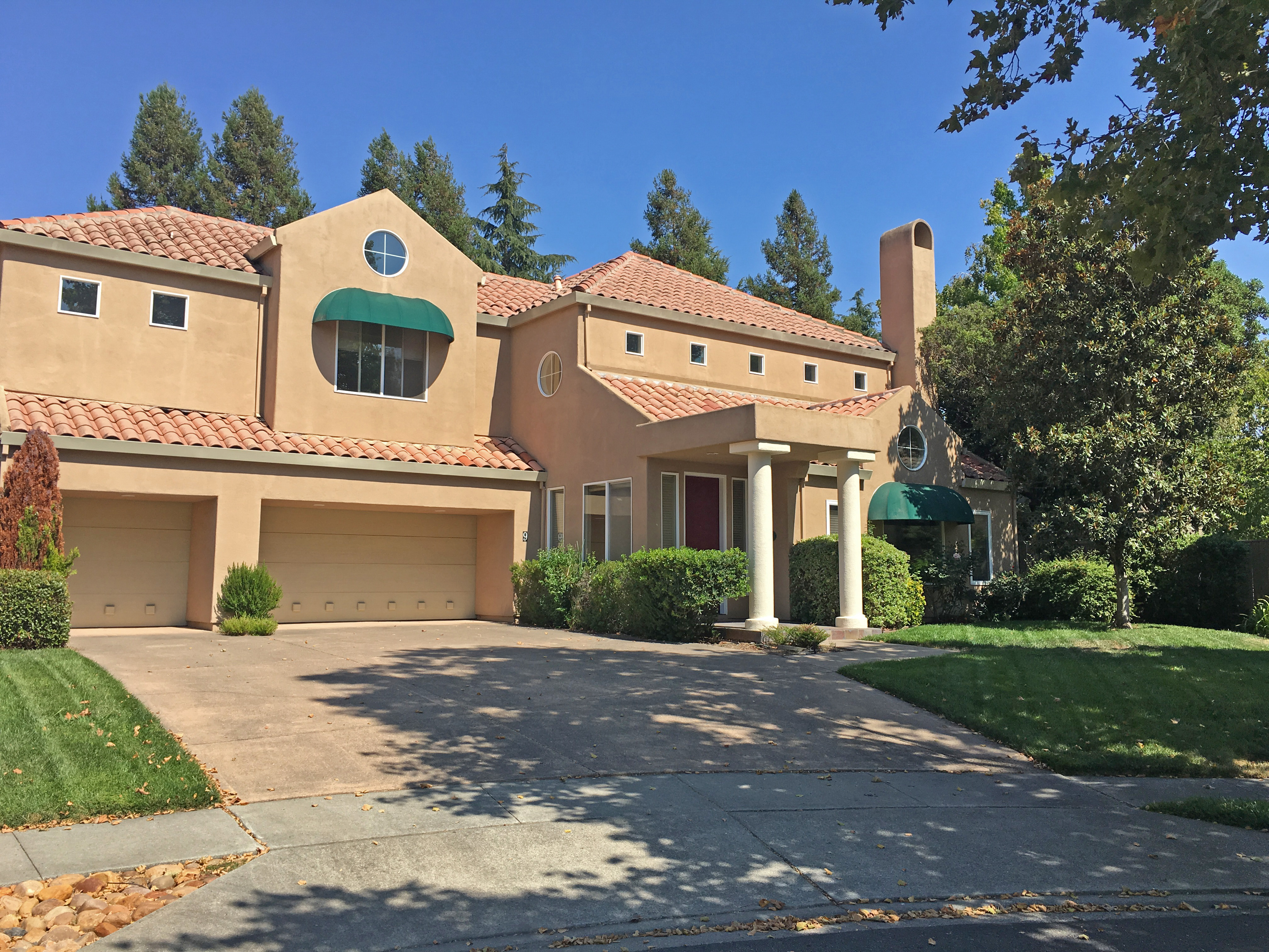 Single Family Home for Sale at 9 Emperor Court Napa, California, 94558 United States