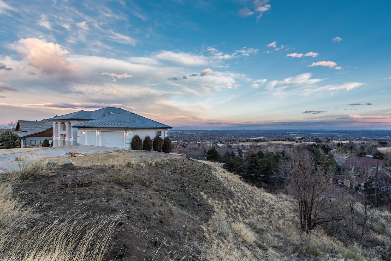 Einfamilienhaus für Verkauf beim Magnificent views in every direction! 980 S Coors Drive Lakewood, Colorado, 80228 Vereinigte Staaten