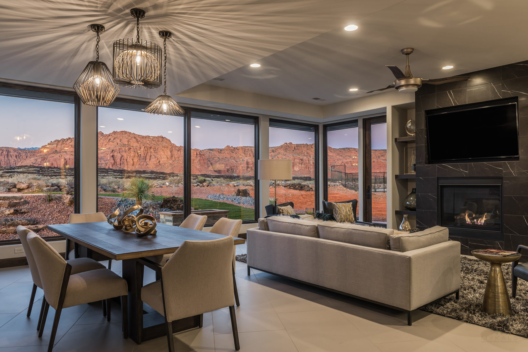 Casa para uma família para Venda às Luxurious Home Located in the Prestigious Encanto Resort 1355 E Snow Canyon Parkway #14 Ivins, Utah, 84738 Estados Unidos