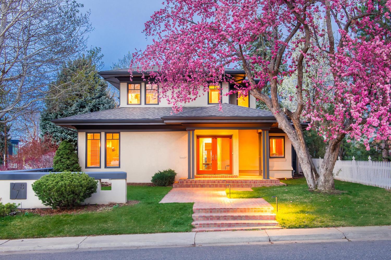 Casa Unifamiliar por un Venta en Custom Built and Designed with Fine Quality, and Relaxation in Mind 278 Dahlia Street Hilltop, Denver, Colorado, 80220 Estados Unidos