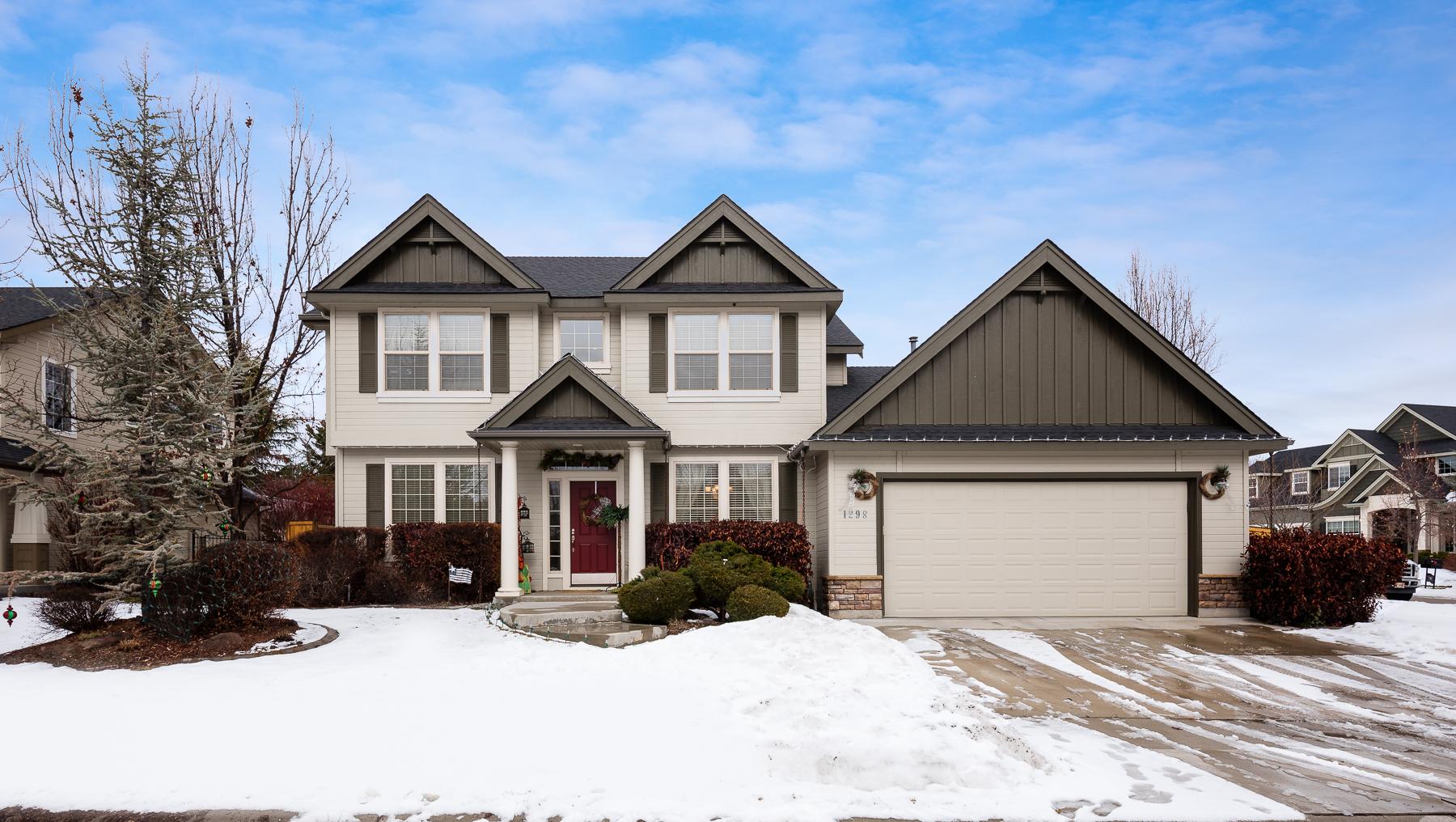 Nhà ở một gia đình vì Bán tại 1298 E Portobello Court Eagle, Idaho, 83616 Hoa Kỳ
