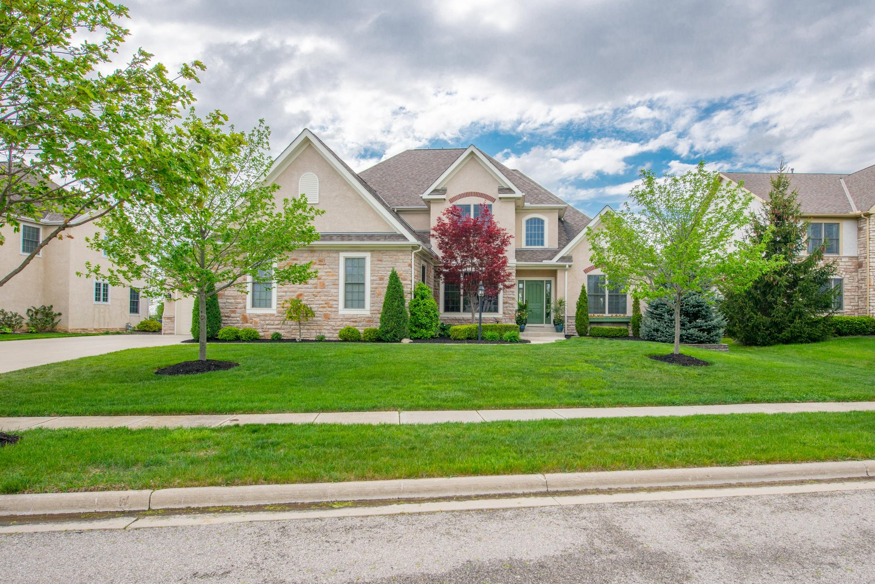 Single Family Home for Sale at 6619 Baronscourt Loop Dublin, Ohio 43016 United States
