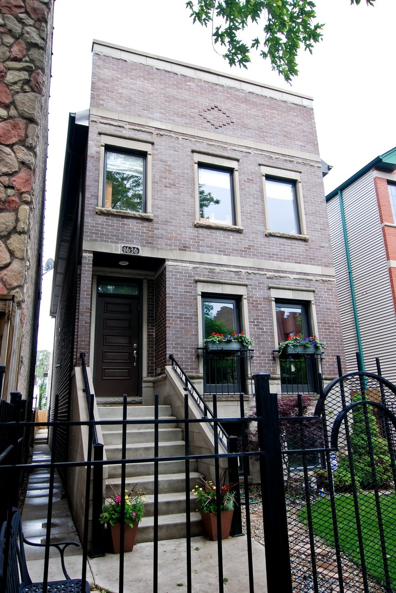 Single Family Home for Sale at Immaculate Home in Bucktown 1636 N Artesian Avenue Chicago, Illinois, 60647 United States