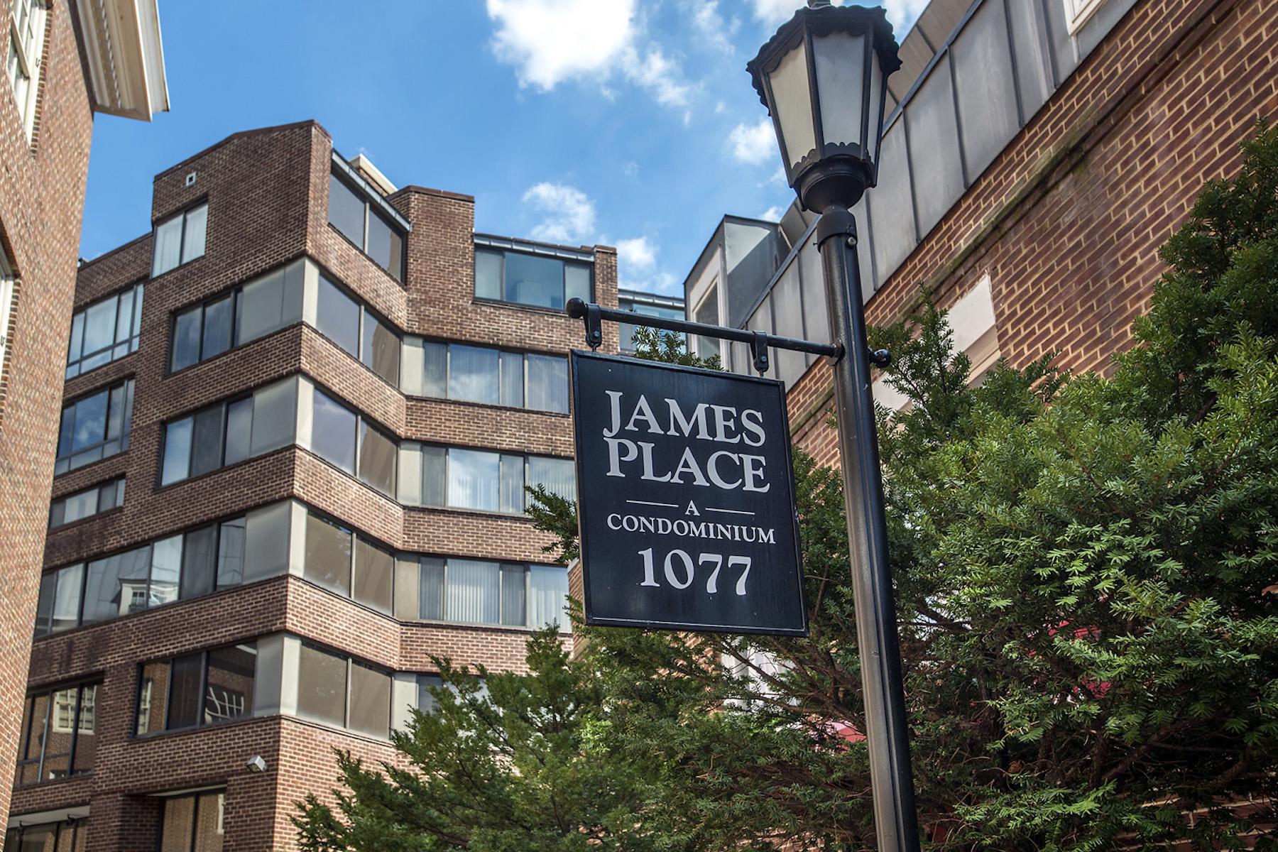 Appartement en copropriété pour l Vente à Georgetown 1077 30th Street Nw 209 Washington, District De Columbia, 20007 États-Unis