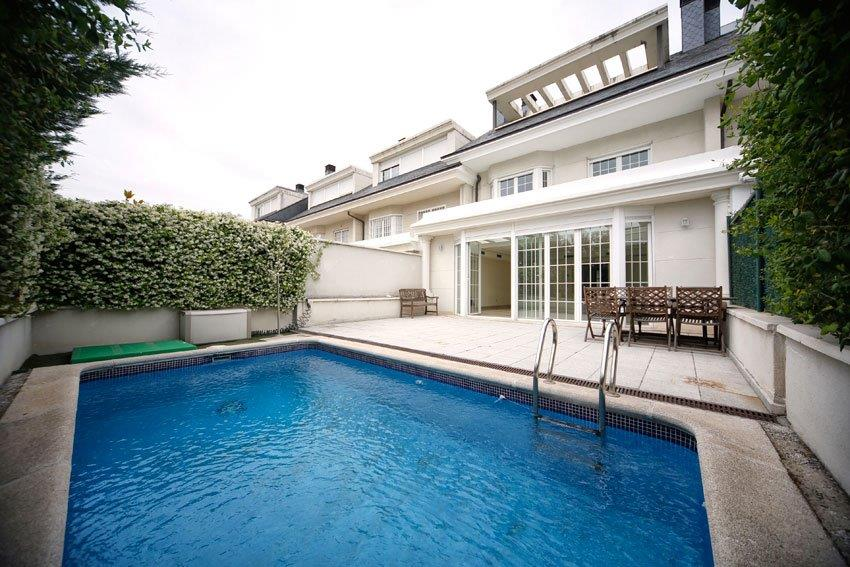 Single Family Home for Sale at Elegant villa for sale. Great views Madrid, Madrid, Spain