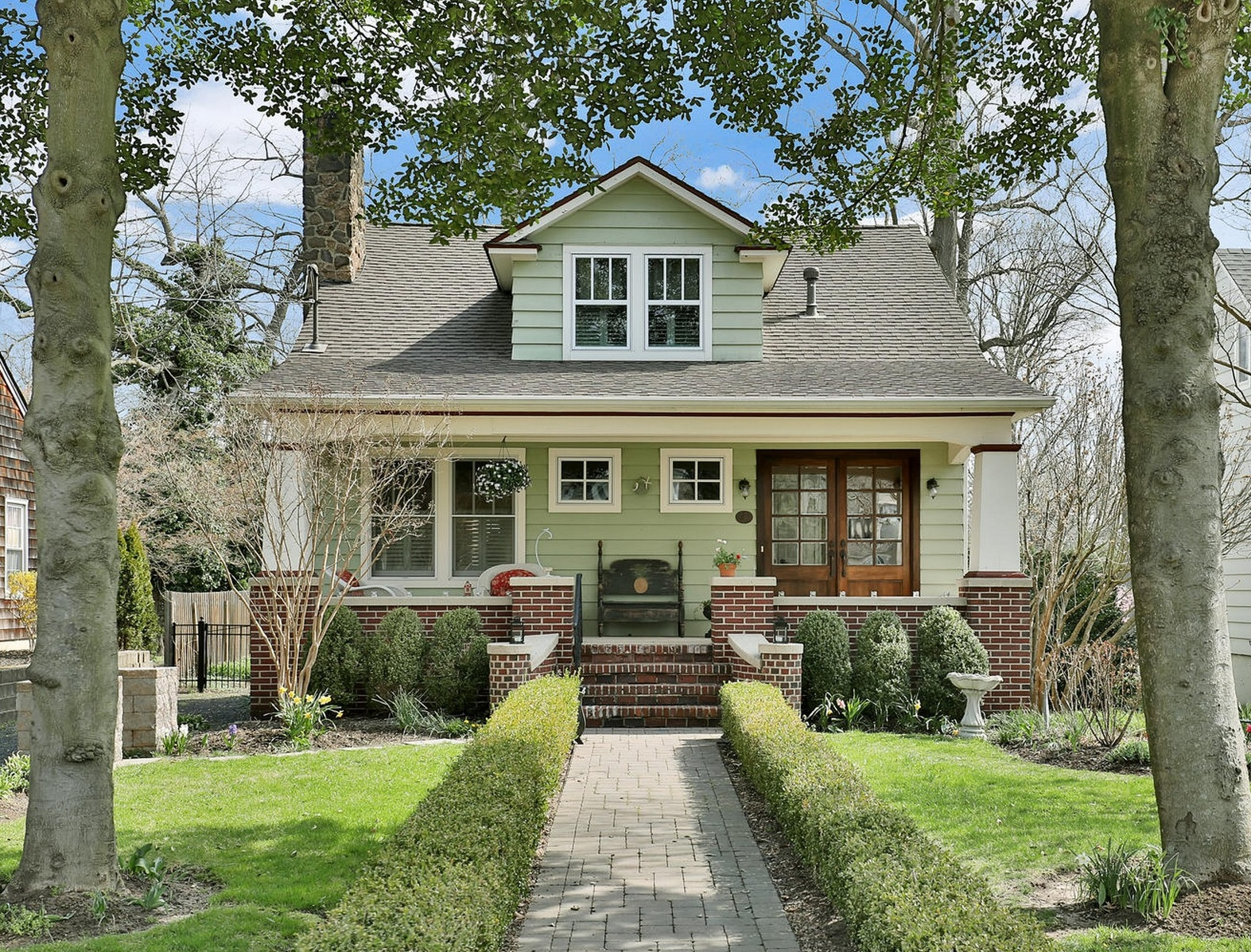 独户住宅 为 出租 在 Rumson 25 Lennox Avenue 拉姆森, 新泽西州 07760 美国