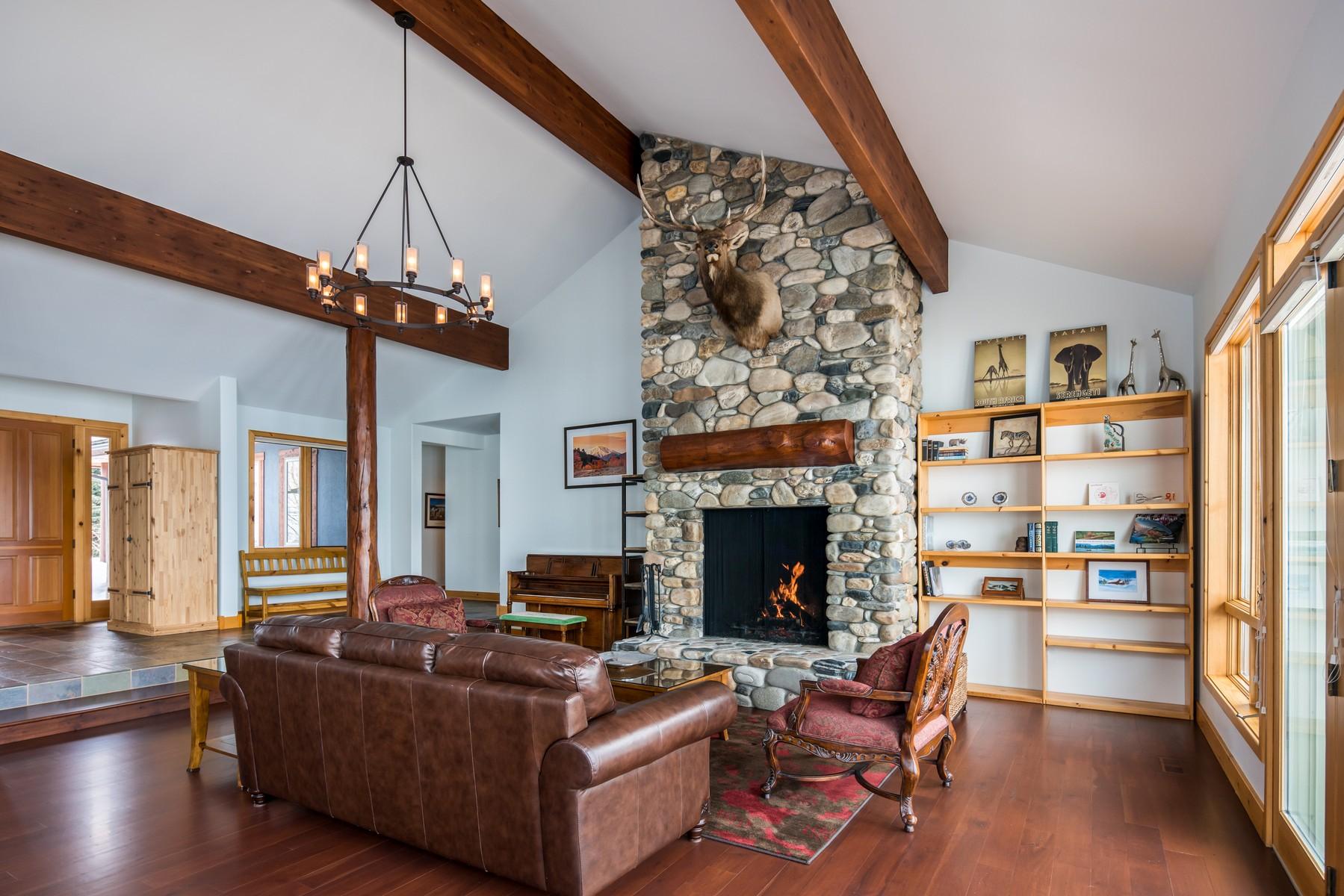 Casa Unifamiliar por un Venta en Expansive Mountain Views 203 Meadowbrook Rd Hailey, Idaho, 83333 Estados Unidos